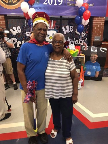 Image for Elementary school students gave their 83-year-old custodian a retirement ceremony fit for a king
