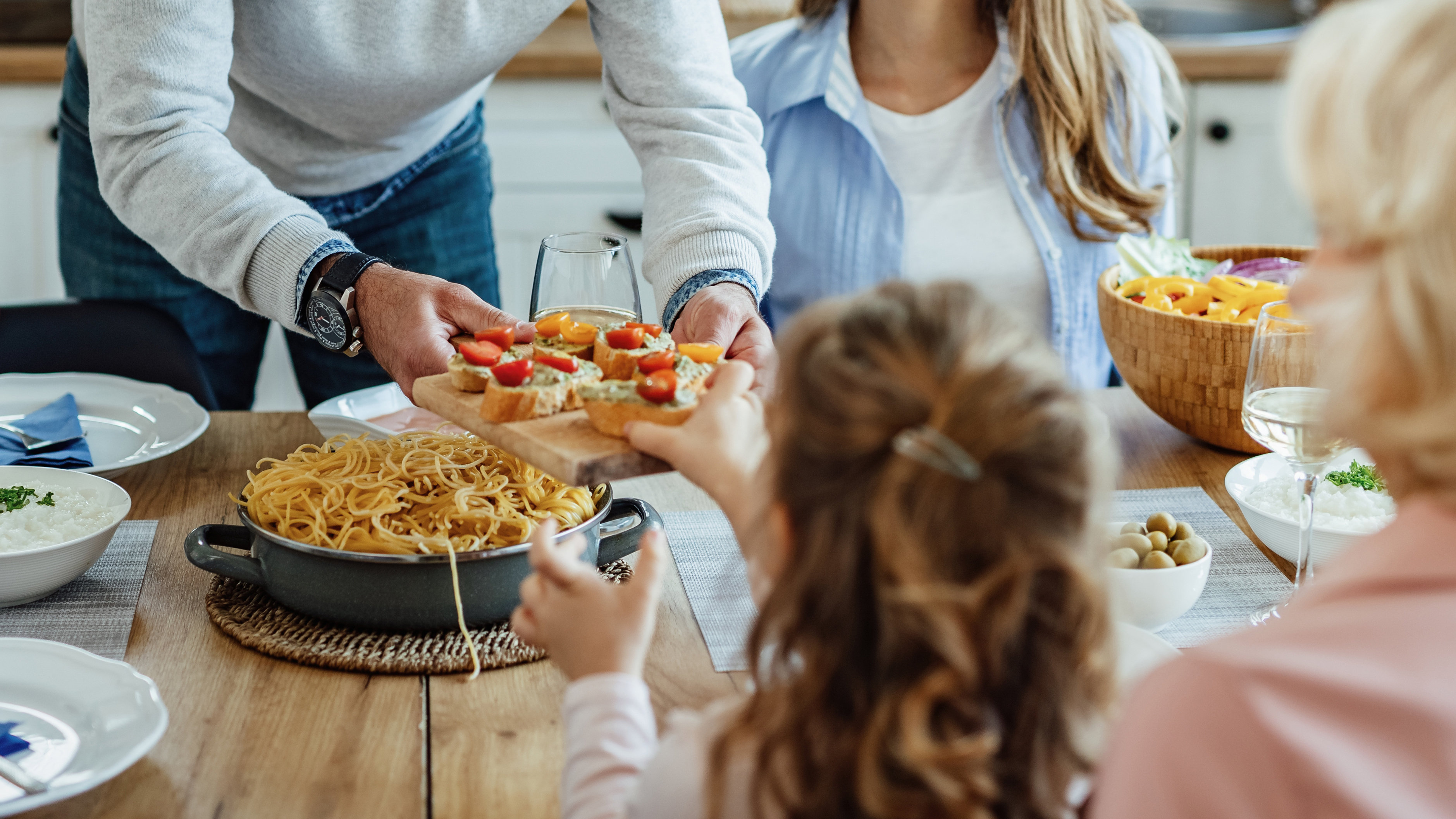 Healthy eating for kids: How to talk to them about good food habits