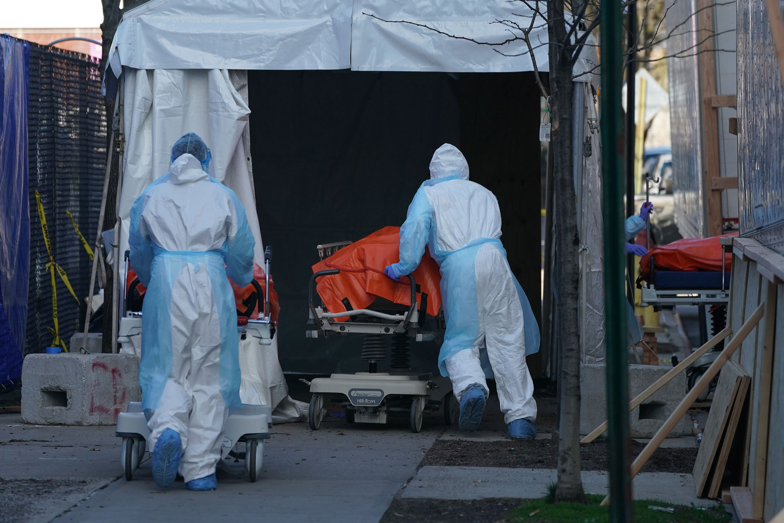 A difficult week ahead in the coronavirus fight begins with a US death toll nearing 10,000