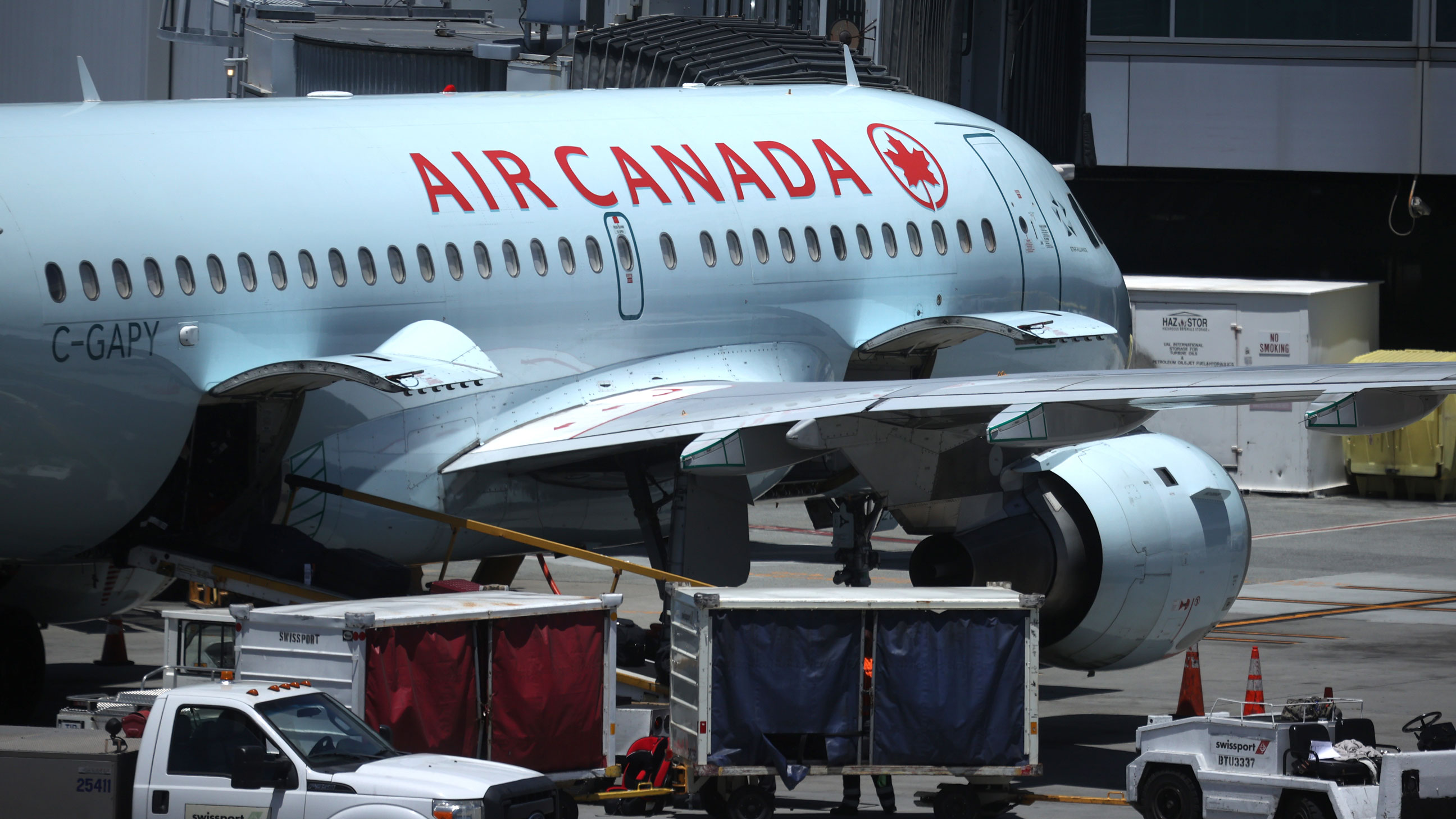 US officials propose $25 million fine against Air Canada over airfare refunds