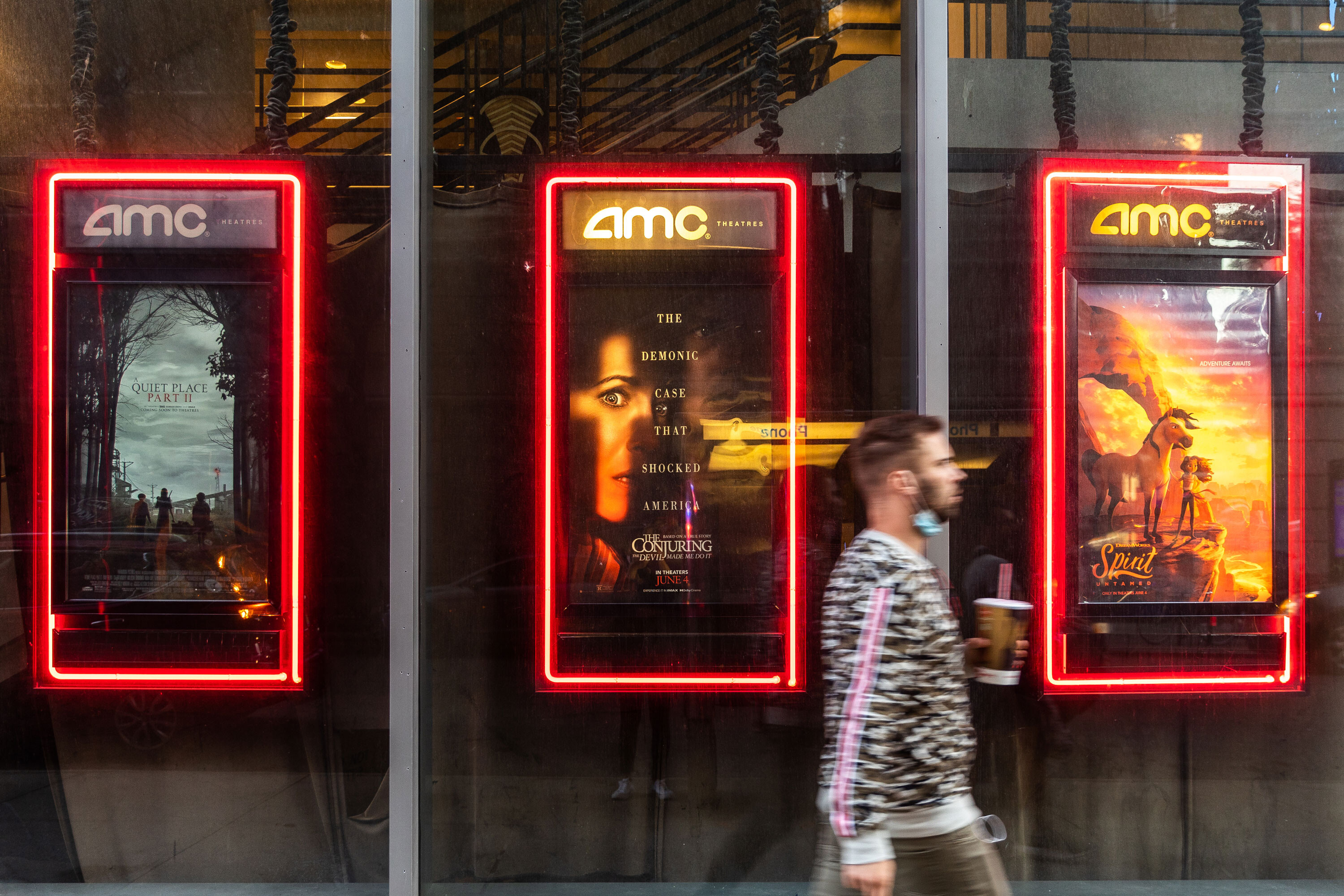 AMC says it'll soon let you pay for your movie ticket in bitcoin