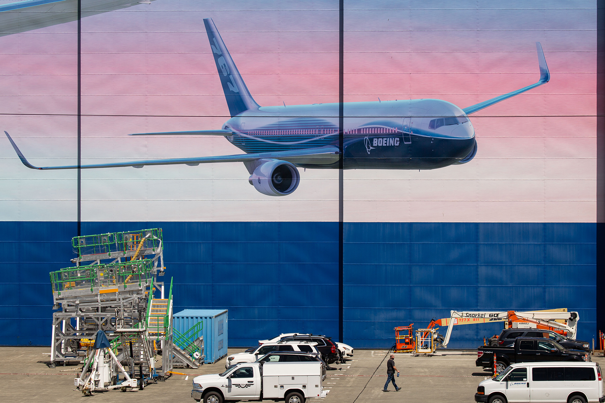 Boeing will lay off another 7,000 workers as losses mount