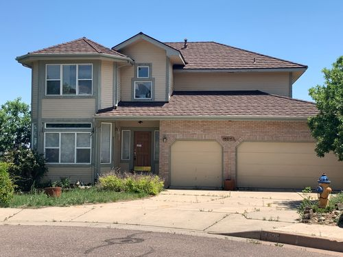 This home in Colorado Springs is expected to sell for over $600,000, all cash.
