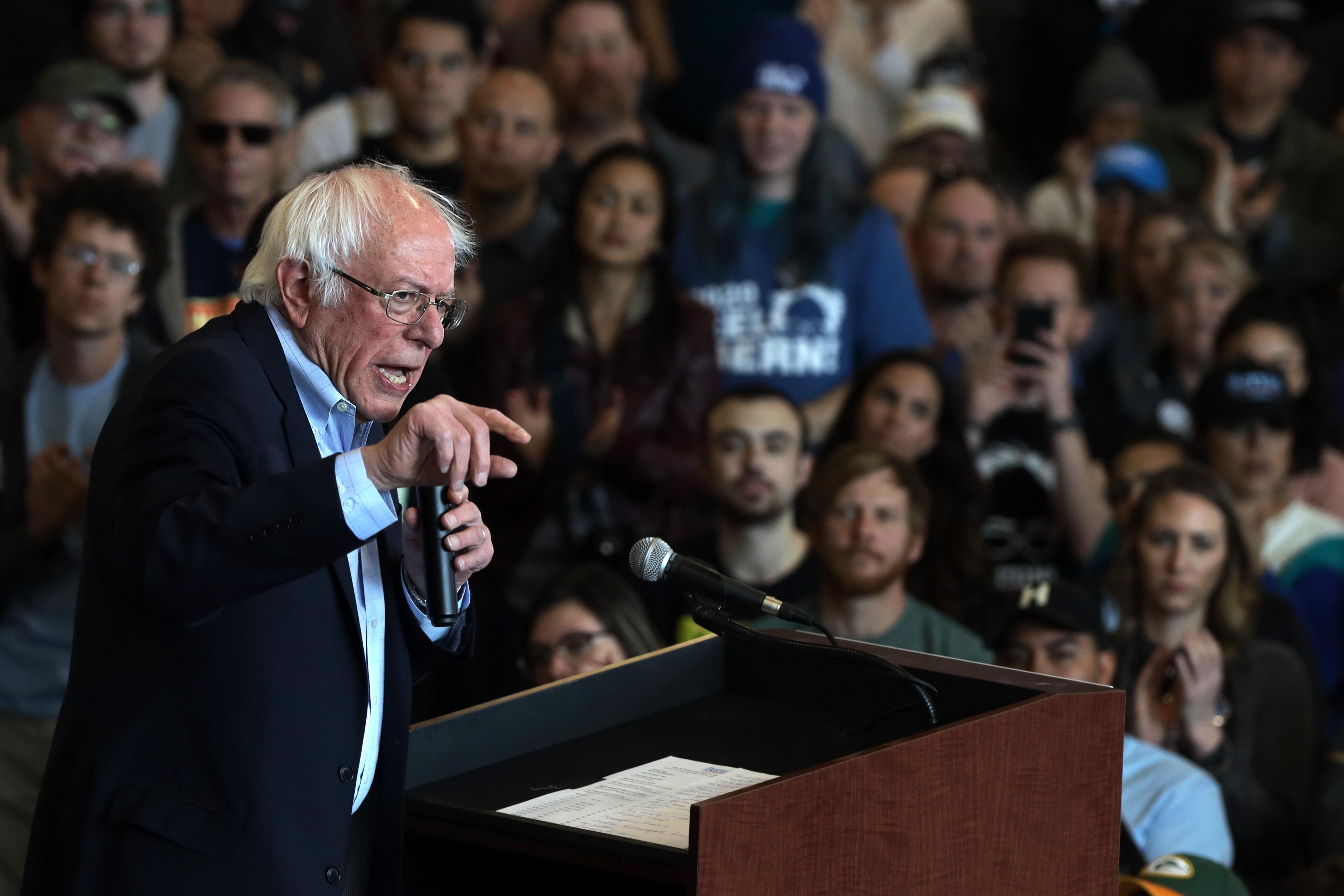 Elizabeth Warren slams Michael Bloomberg for alleged history of sexist remarks in tense Democratic debate