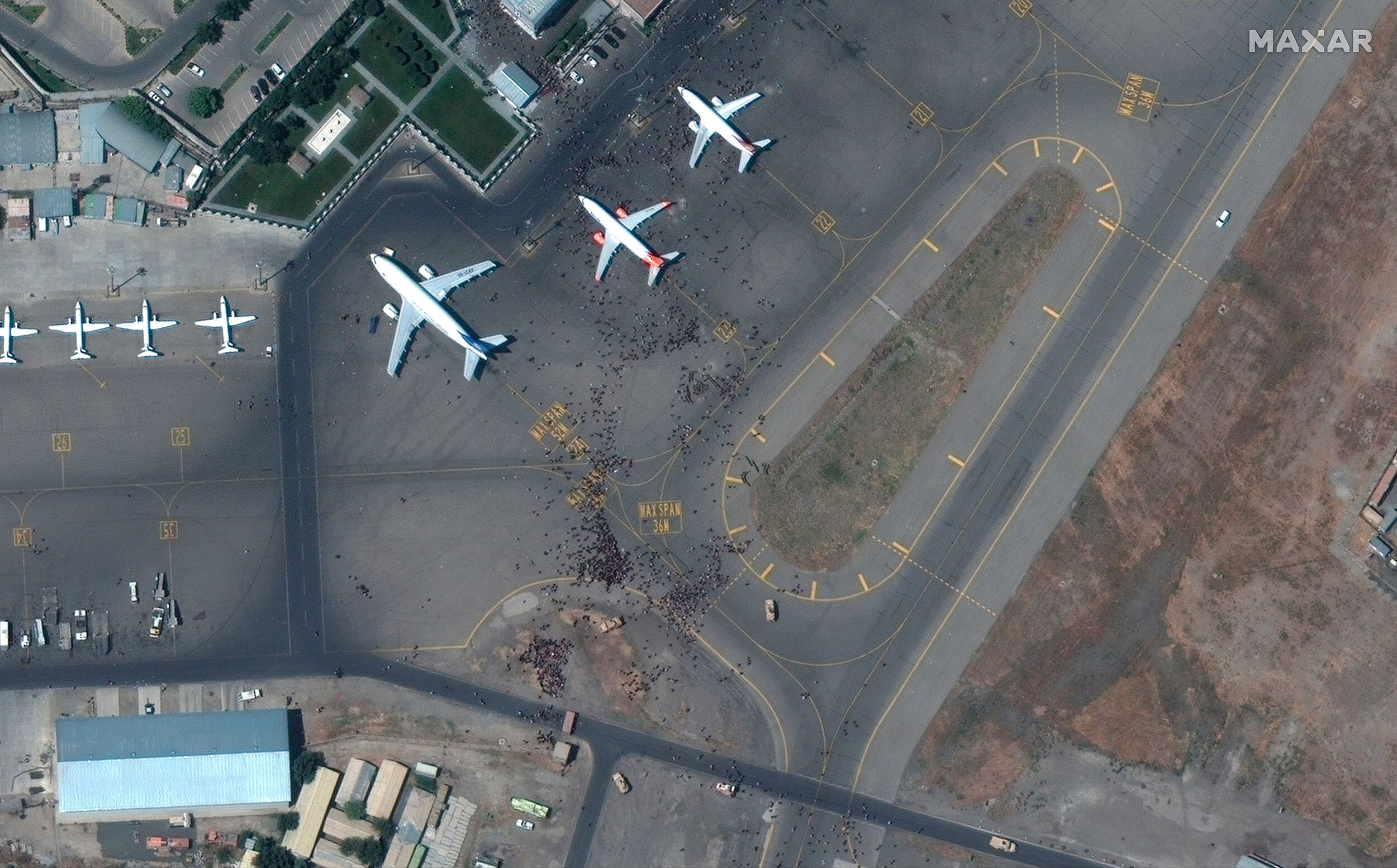 US cannot ensure safe passage to Kabul airport, embassy says
