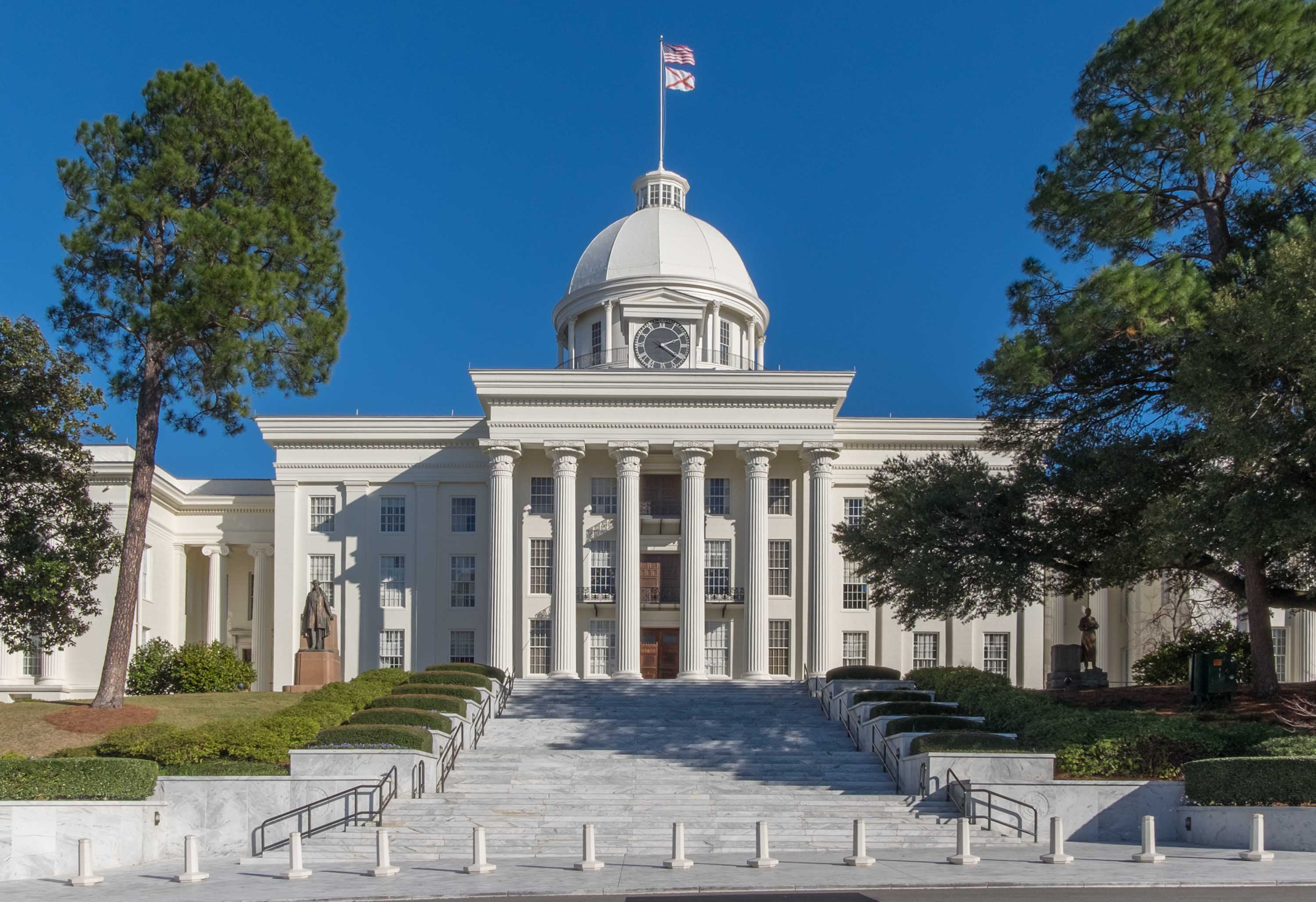 Alabama Legislature votes to legalize medical marijuana
