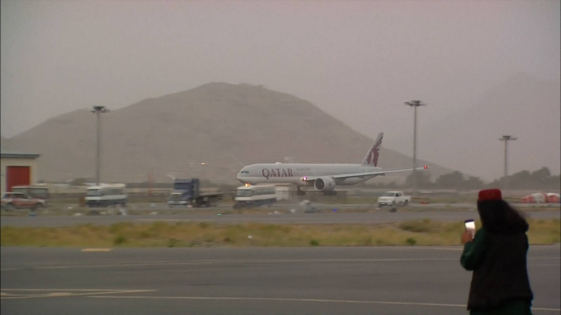 More than 100 Americans evacuated from Afghanistan on private charter, organizations say