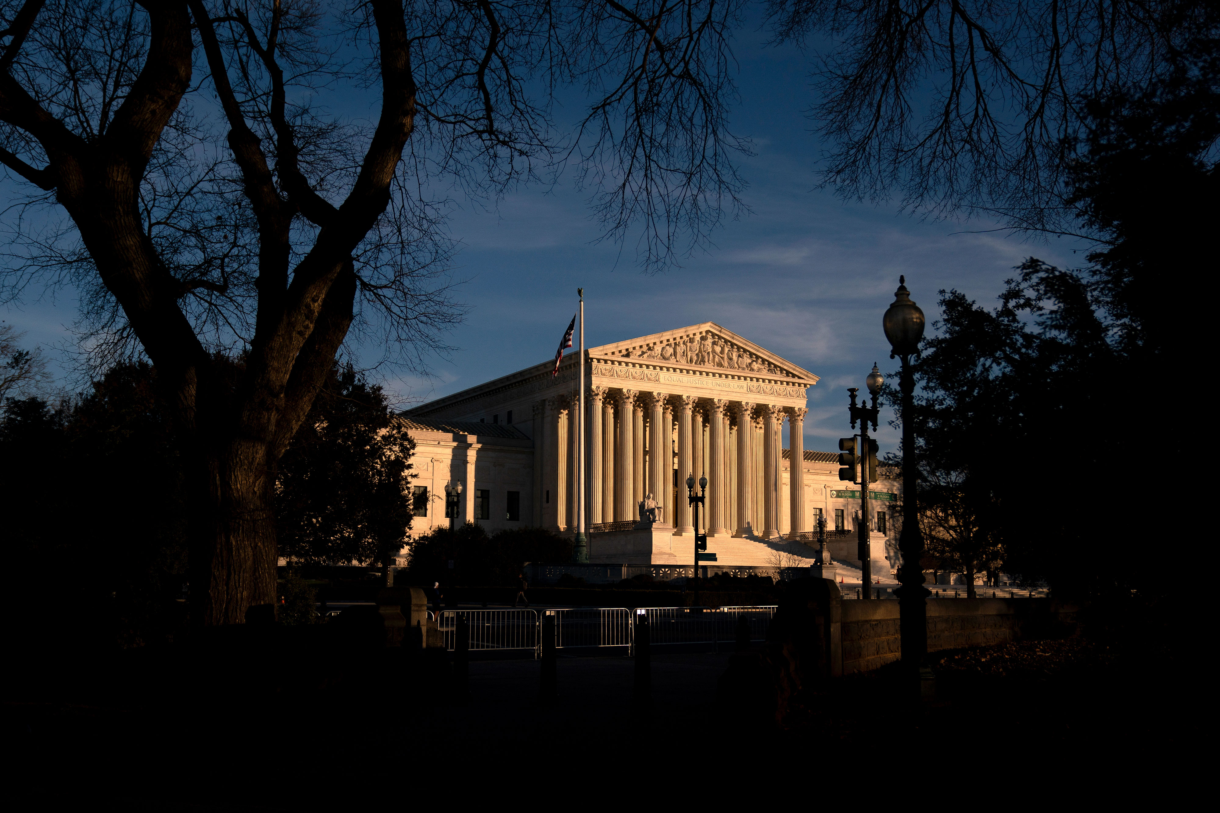 Supreme Court conservatives poised to uphold Arizona's curbs on voting