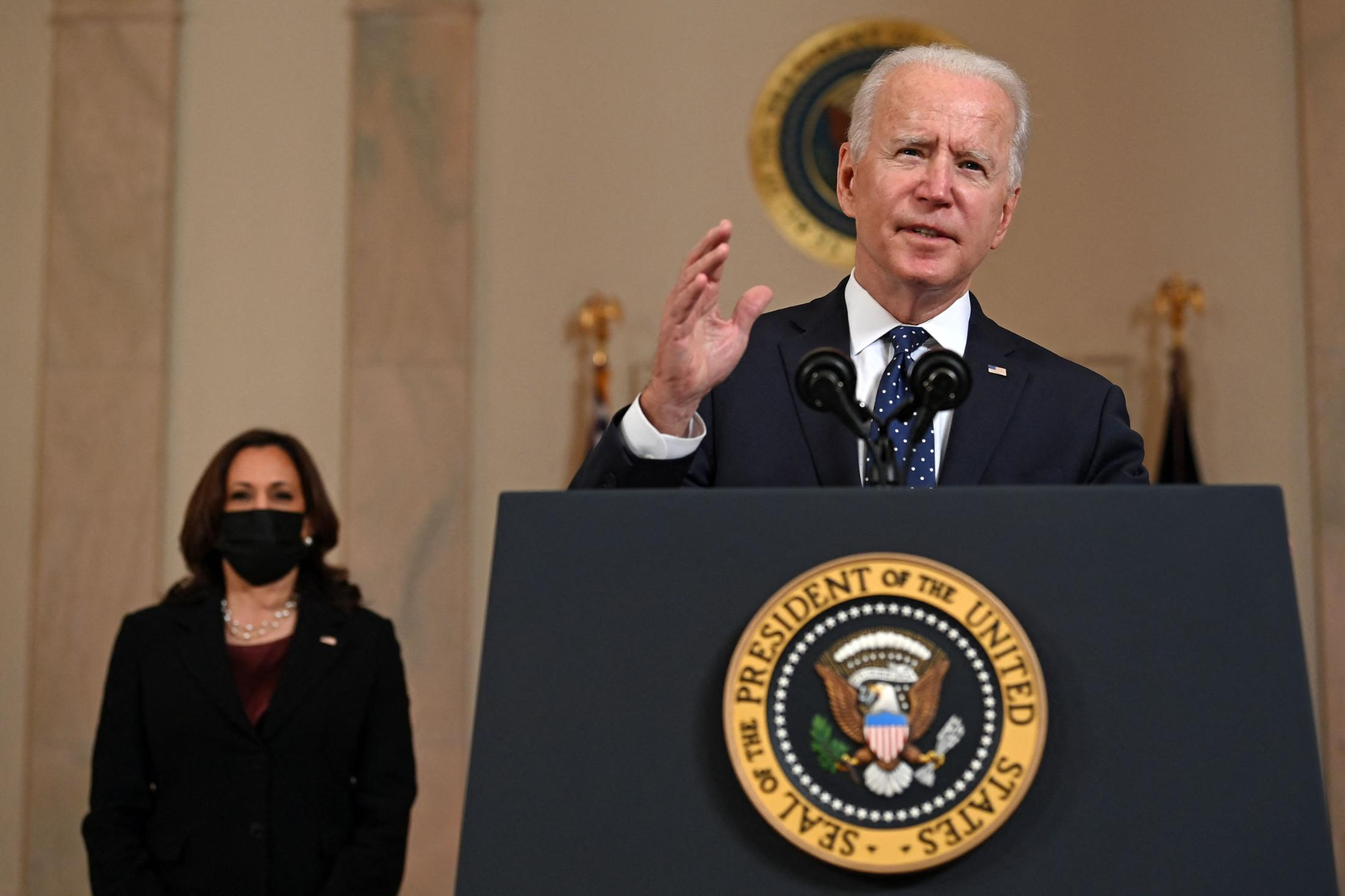 Biden to call for businesses to give paid time off for employees to get vaccinated as he touts 200 million shots