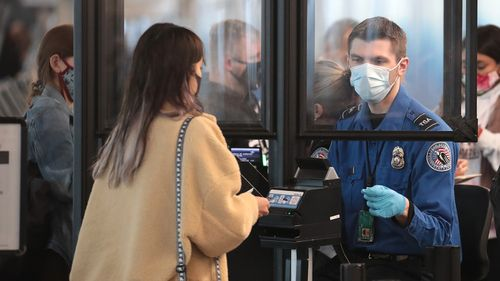 Image for Homeland Security gives TSA workers authority to enforce Biden's mask mandate