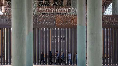 Image for Biden administration continues to deny journalists access to border facilities