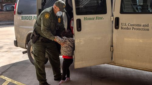 Image for Border Patrol numbers show another jump in the number of children held for more than 10 days