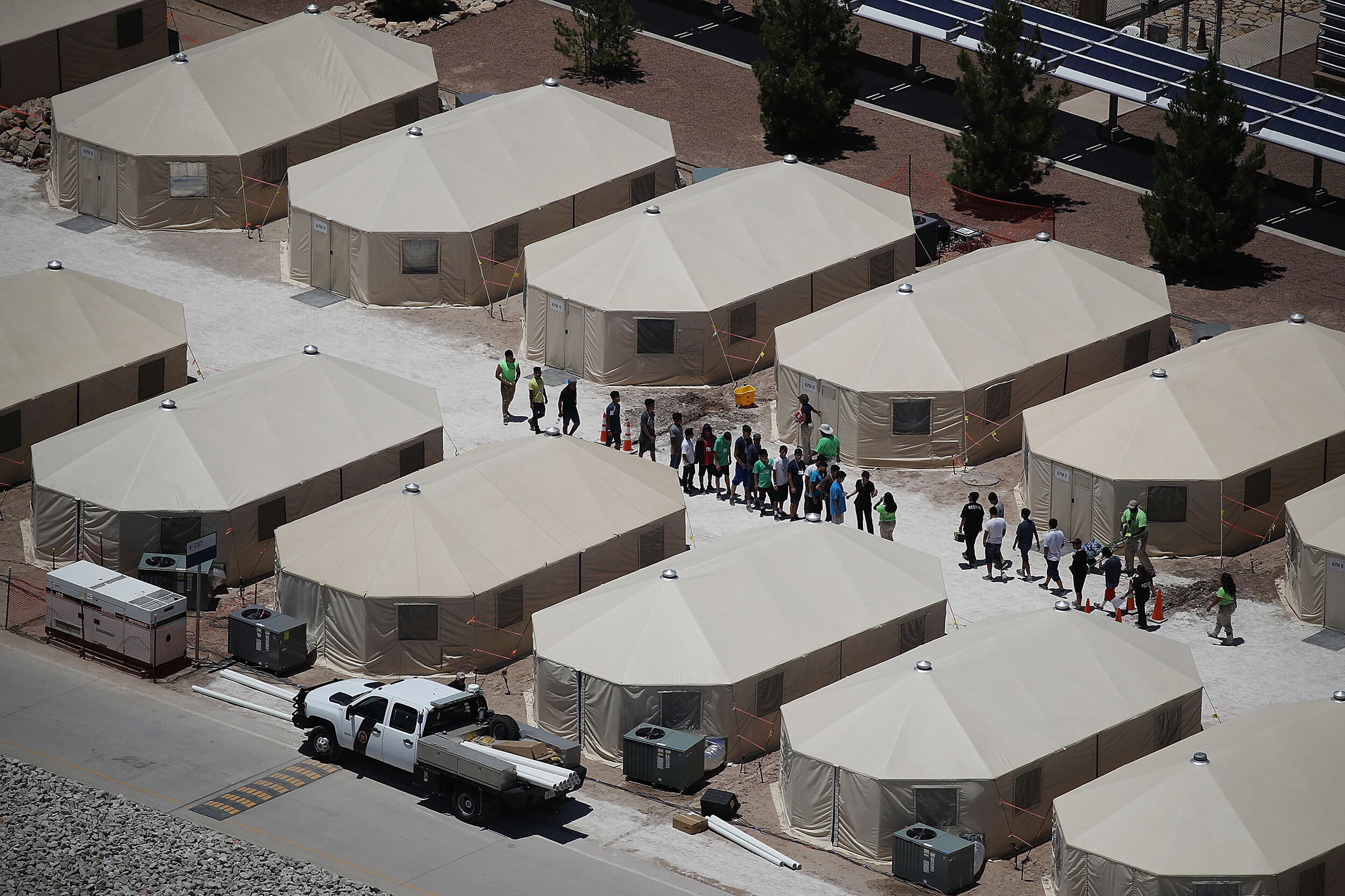 Parents of 303 migrant children separated at border under Trump have still not been found, court filing says