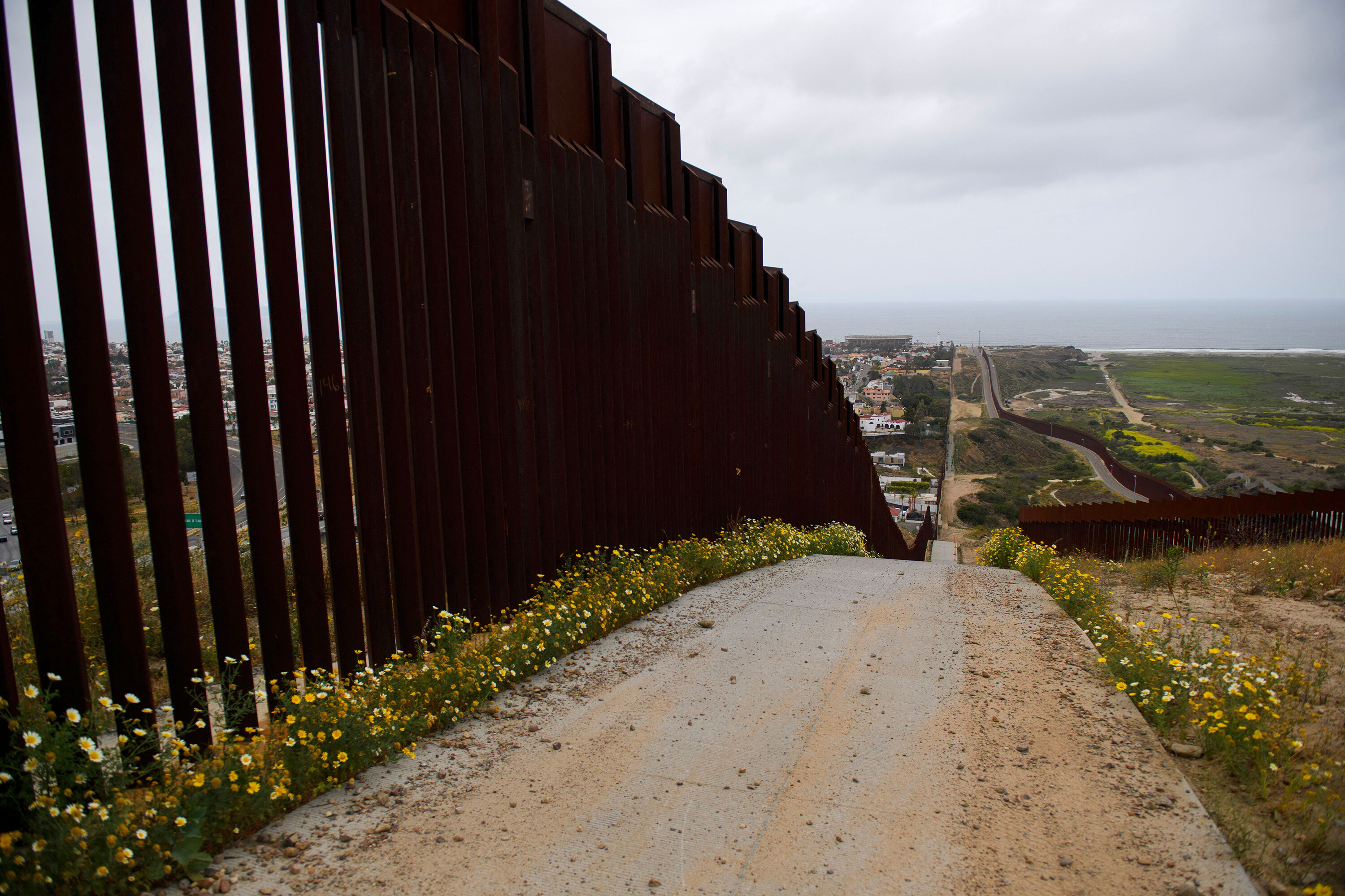 Biden administration canceling more border wall contracts