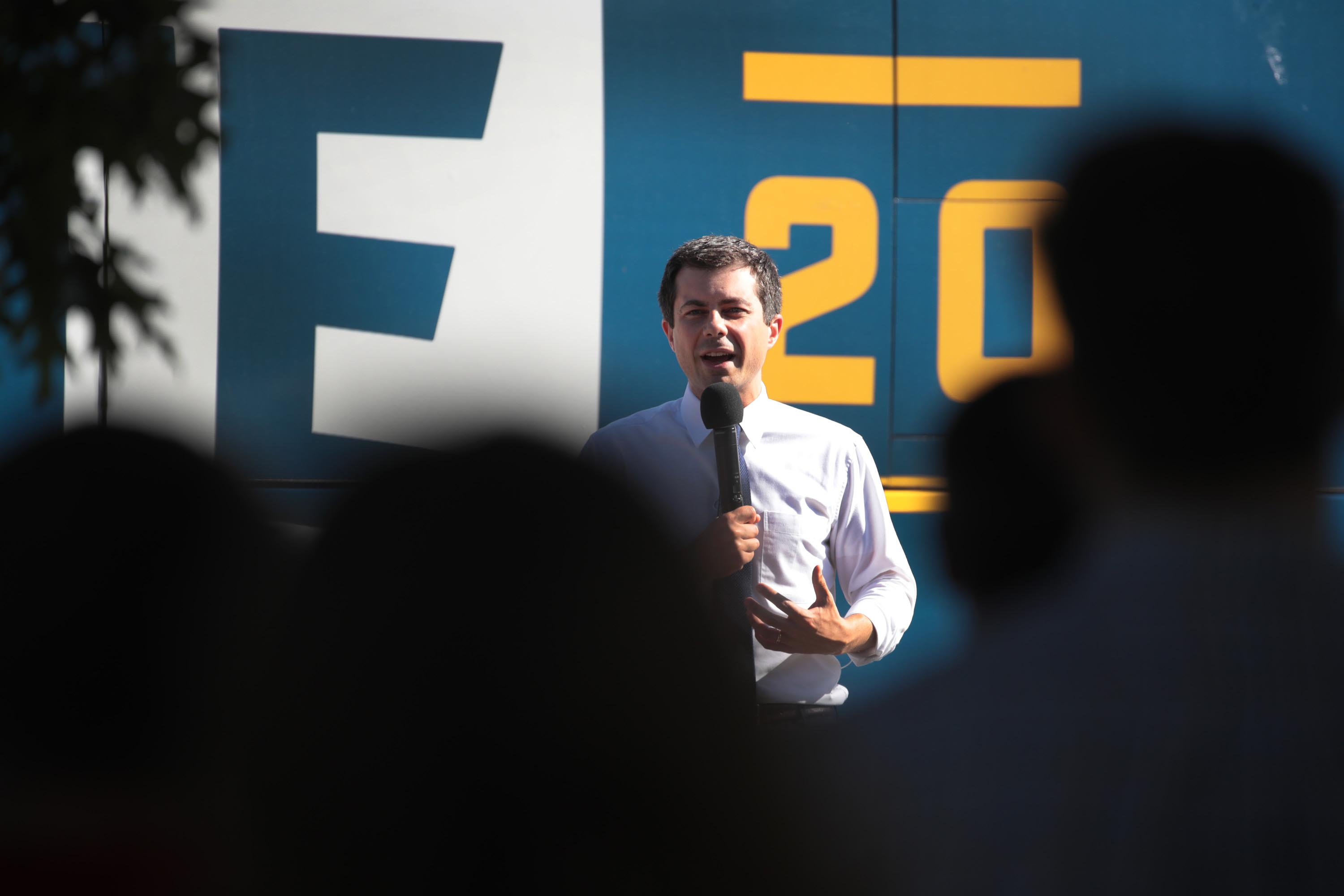 Buttigieg to open fundraisers to press and publish names of top fundraisers after calls for transparency