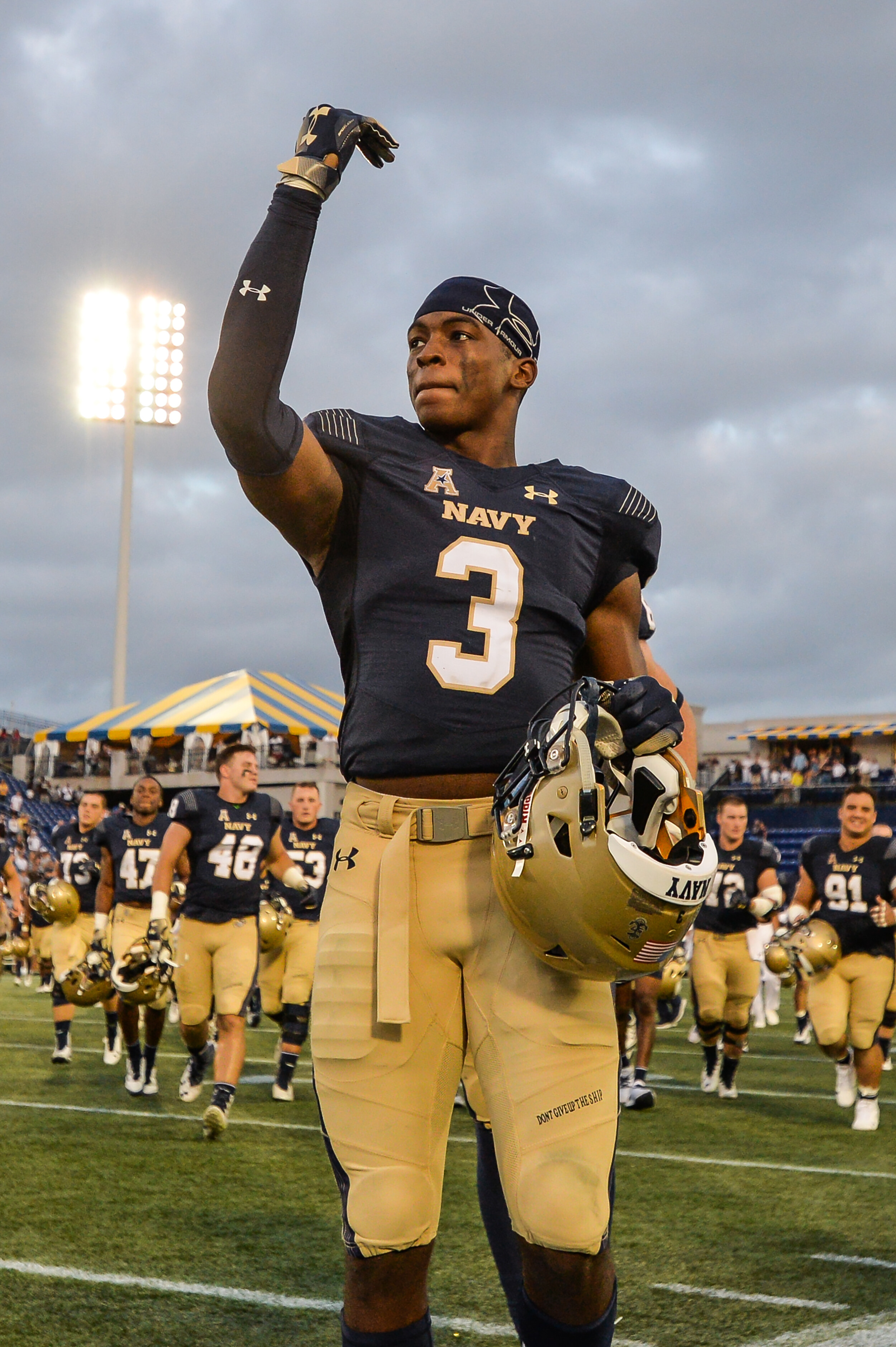 In reversal, US military allows Navy football captain to delay service to try to play in NFL