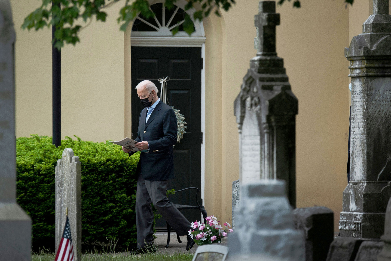 US Catholic bishops advance communion document, setting up potential rebuke of Biden