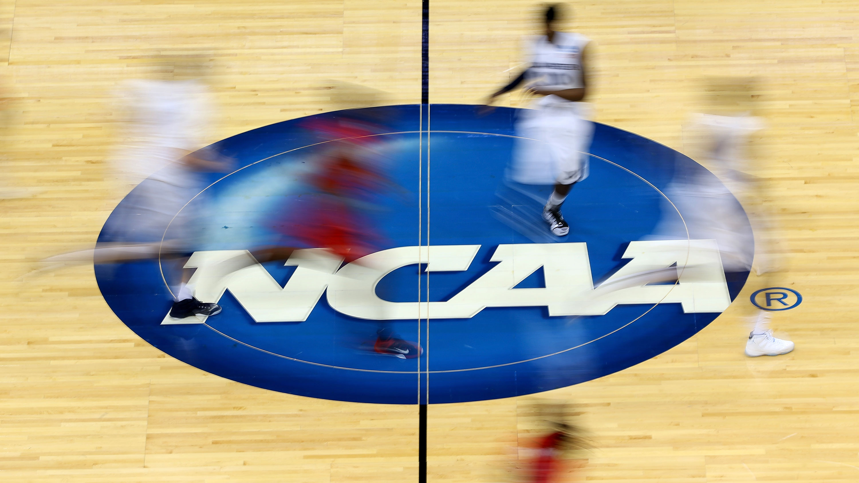 Lawmakers announce plans for a 'college athlete bill of rights'