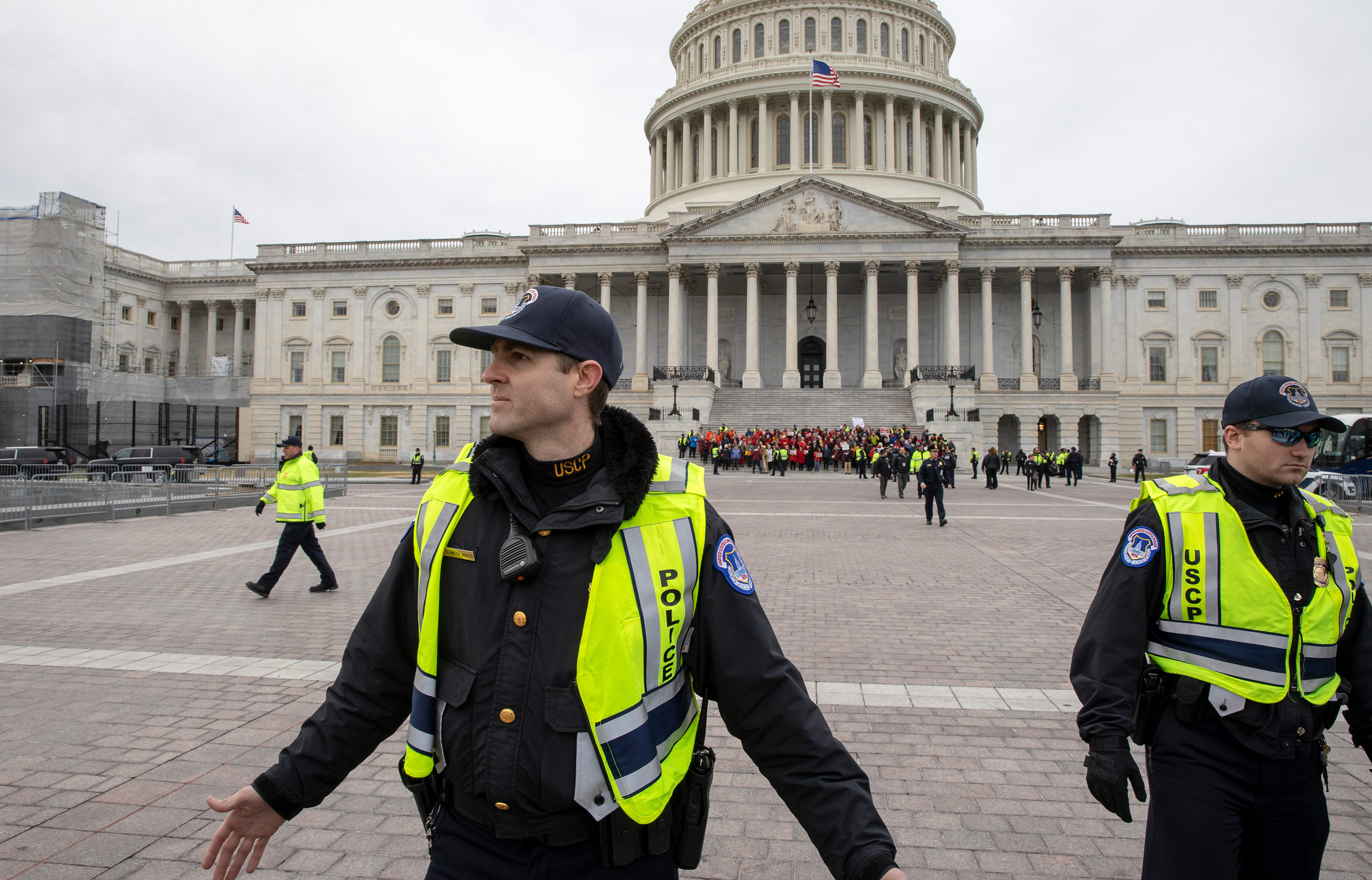Congressional Gold Medal vote for January 6 police officers overwhelmingly passes House as 21 Republicans vote no