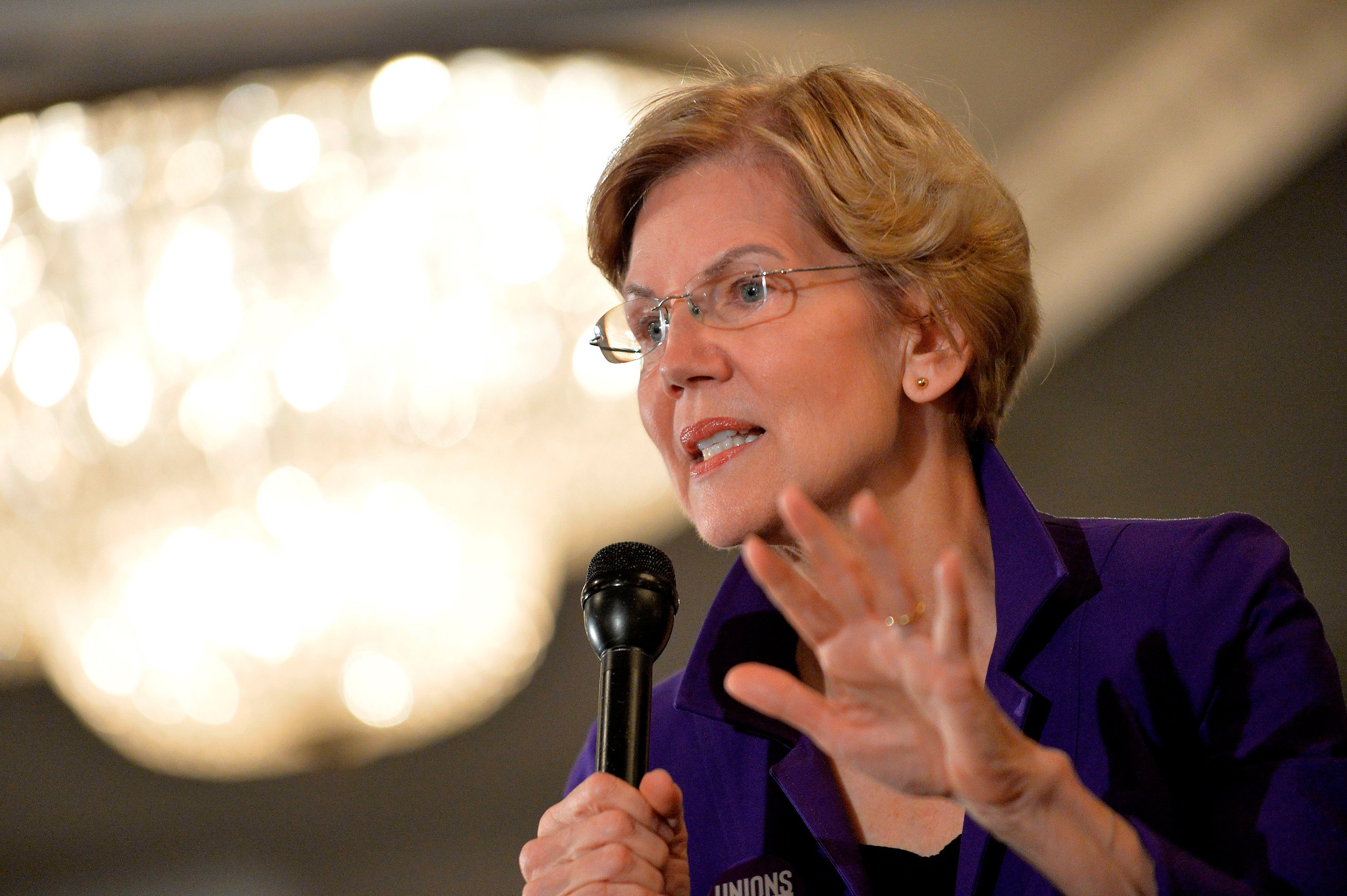 Elizabeth Warren releases plan to implement Medicare for All during first term in office