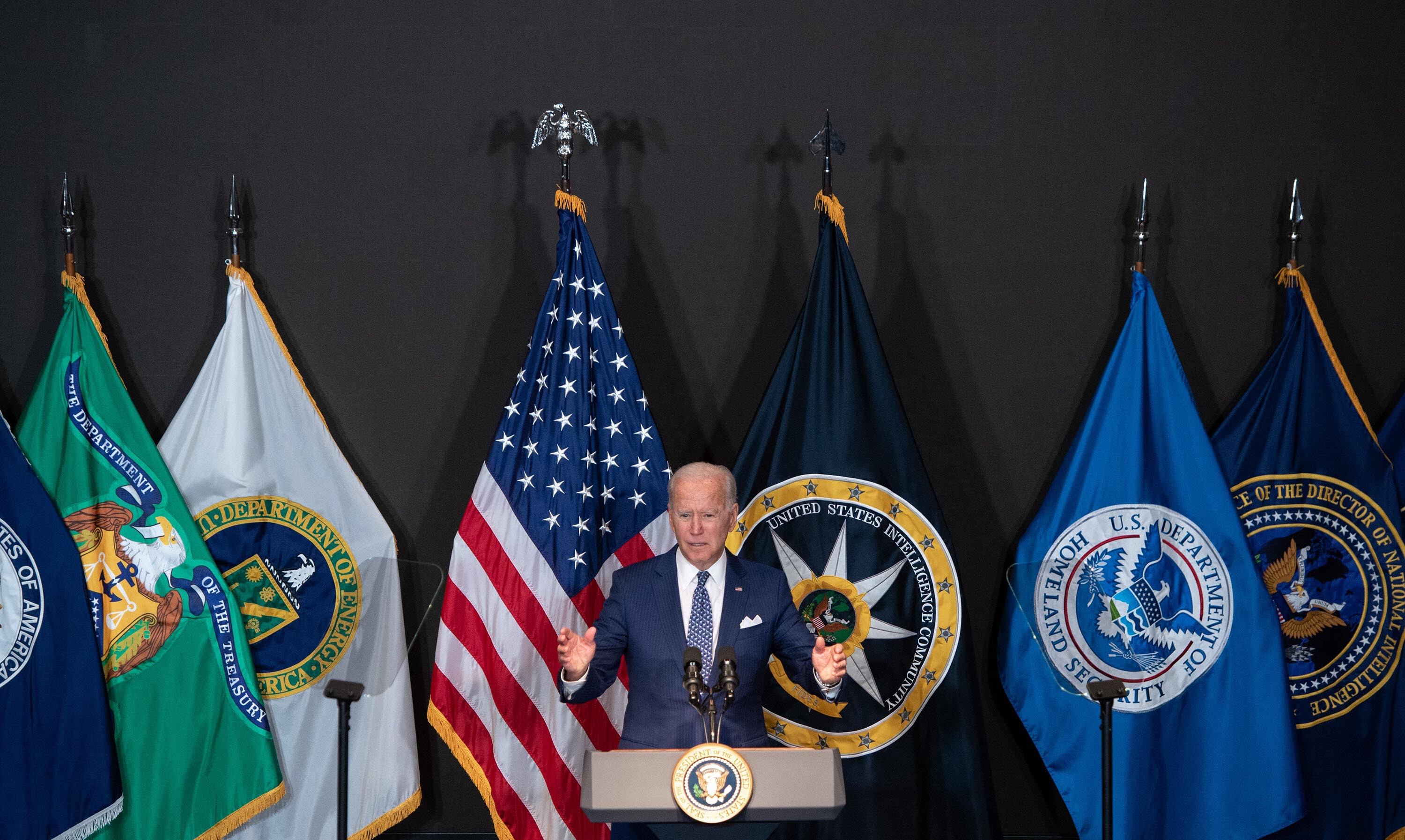Masks and vaccine mandate show CDC and Biden taking emergency action amid Covid-19 surge
