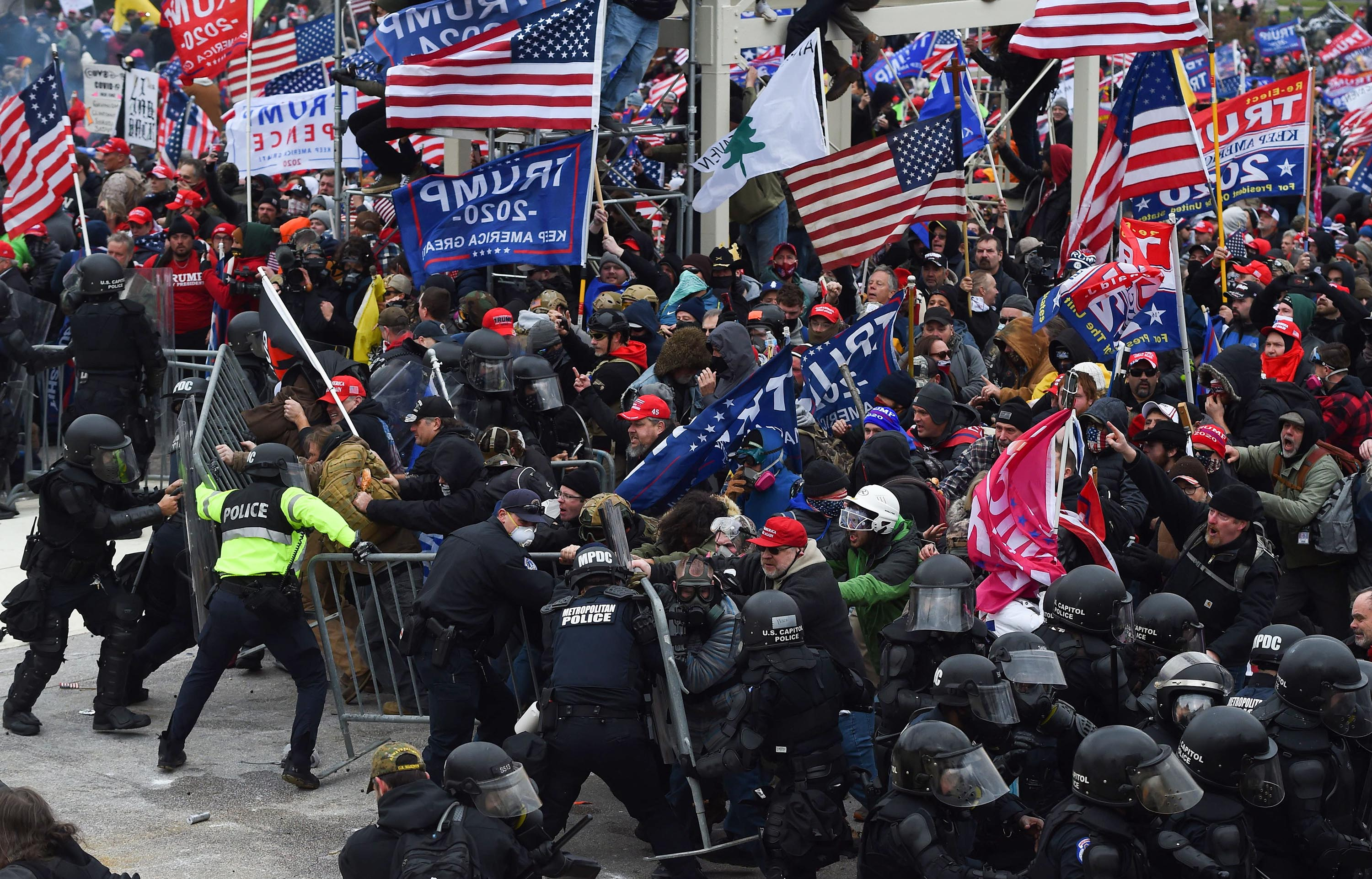 Capitol riot investigators narrow in on extremist groups and military-style coordination