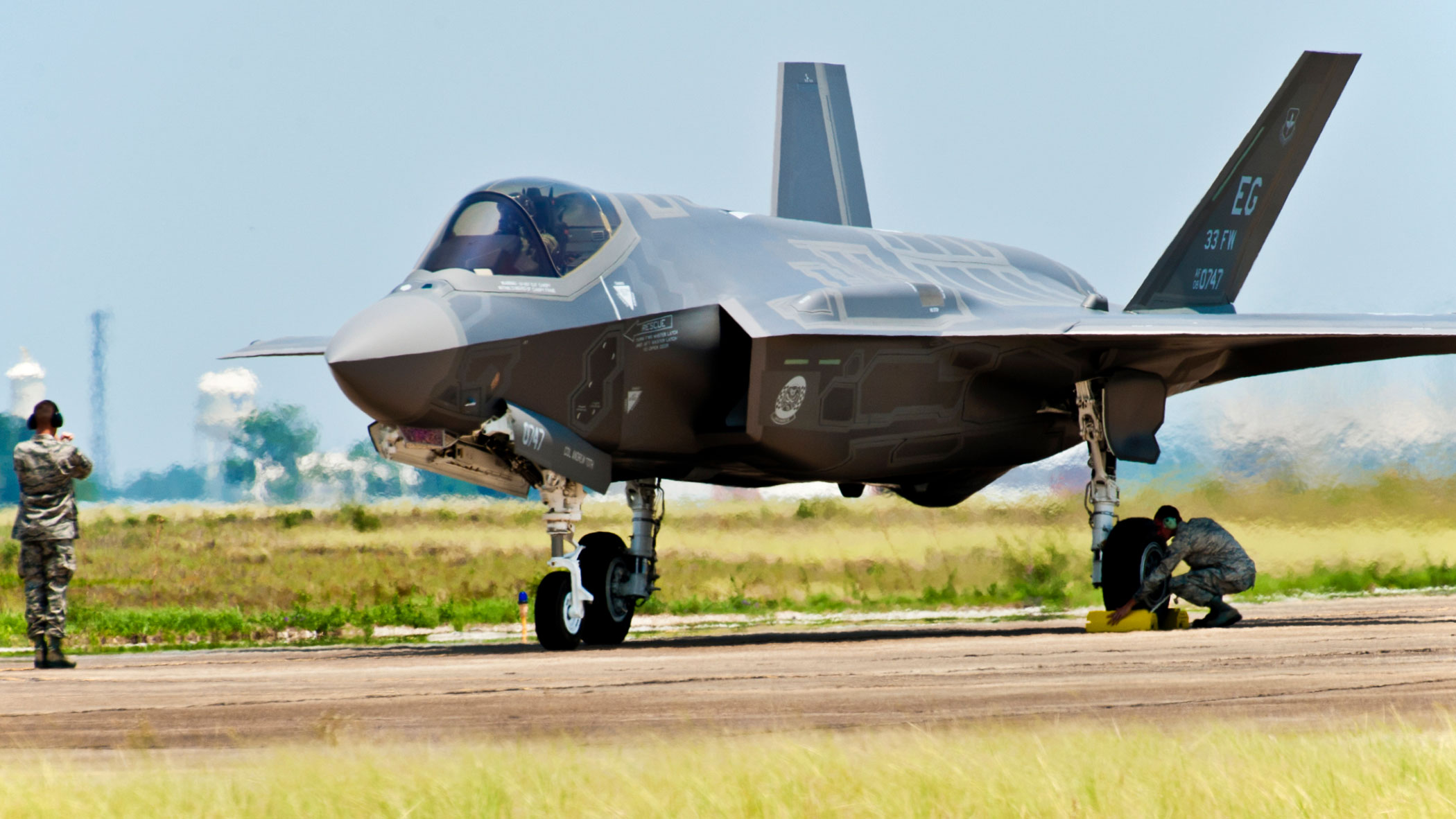 Top Democrat says Trump administration moving ahead with sale of F-35 jets to the UAE