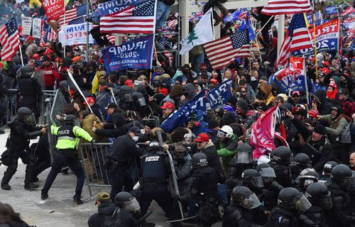 Image for Washington Post: FBI warned of violent 'war' at Capitol in internal report issued day before deadly riot