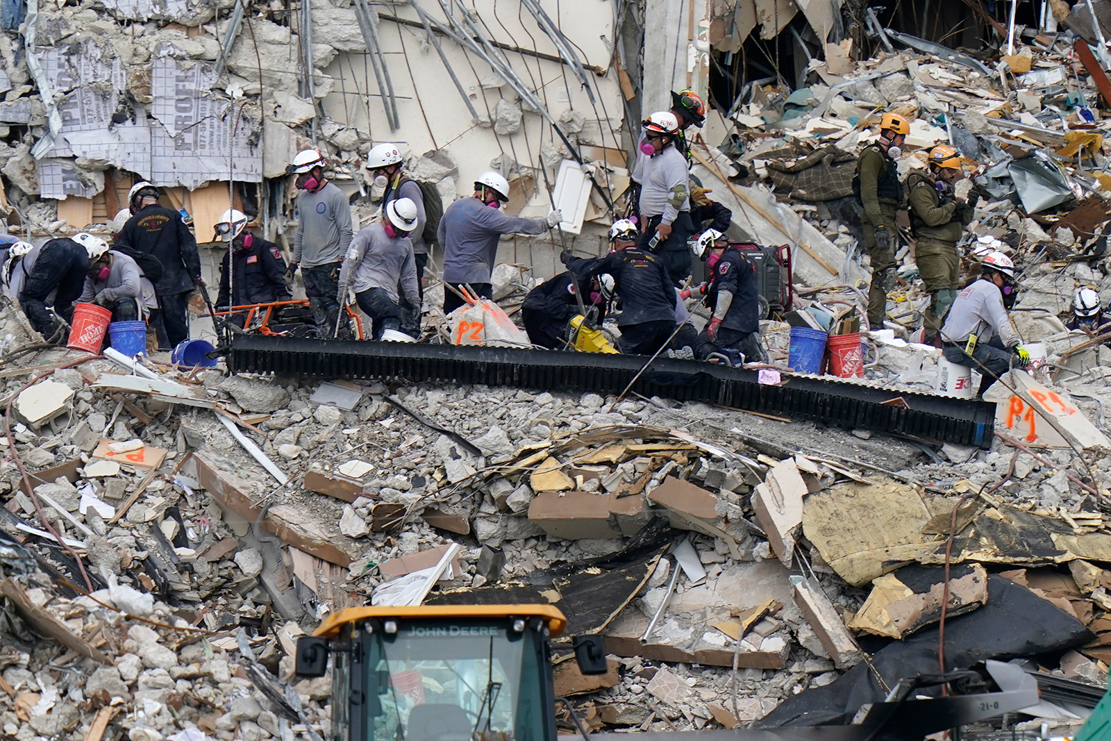 Federal agency to investigate Florida building collapse