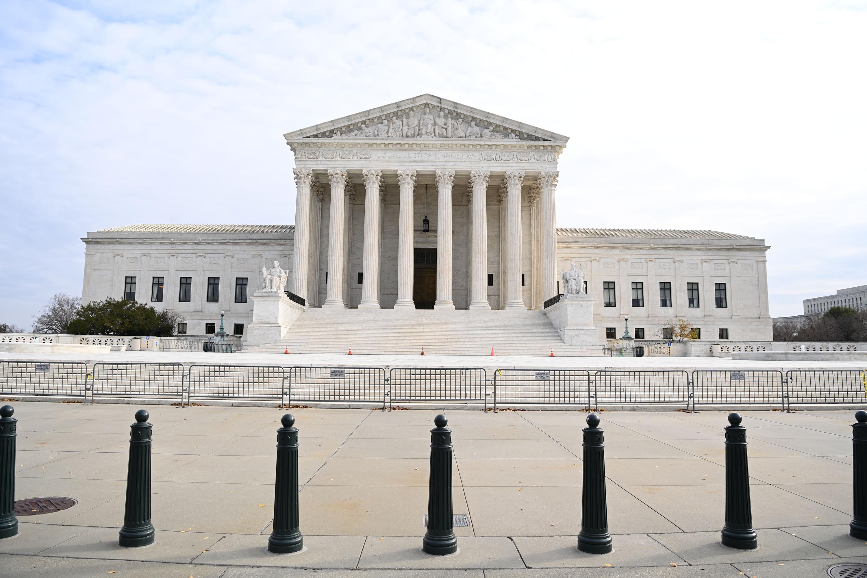 Supreme Court asked to make foreign intelligence court opinions public