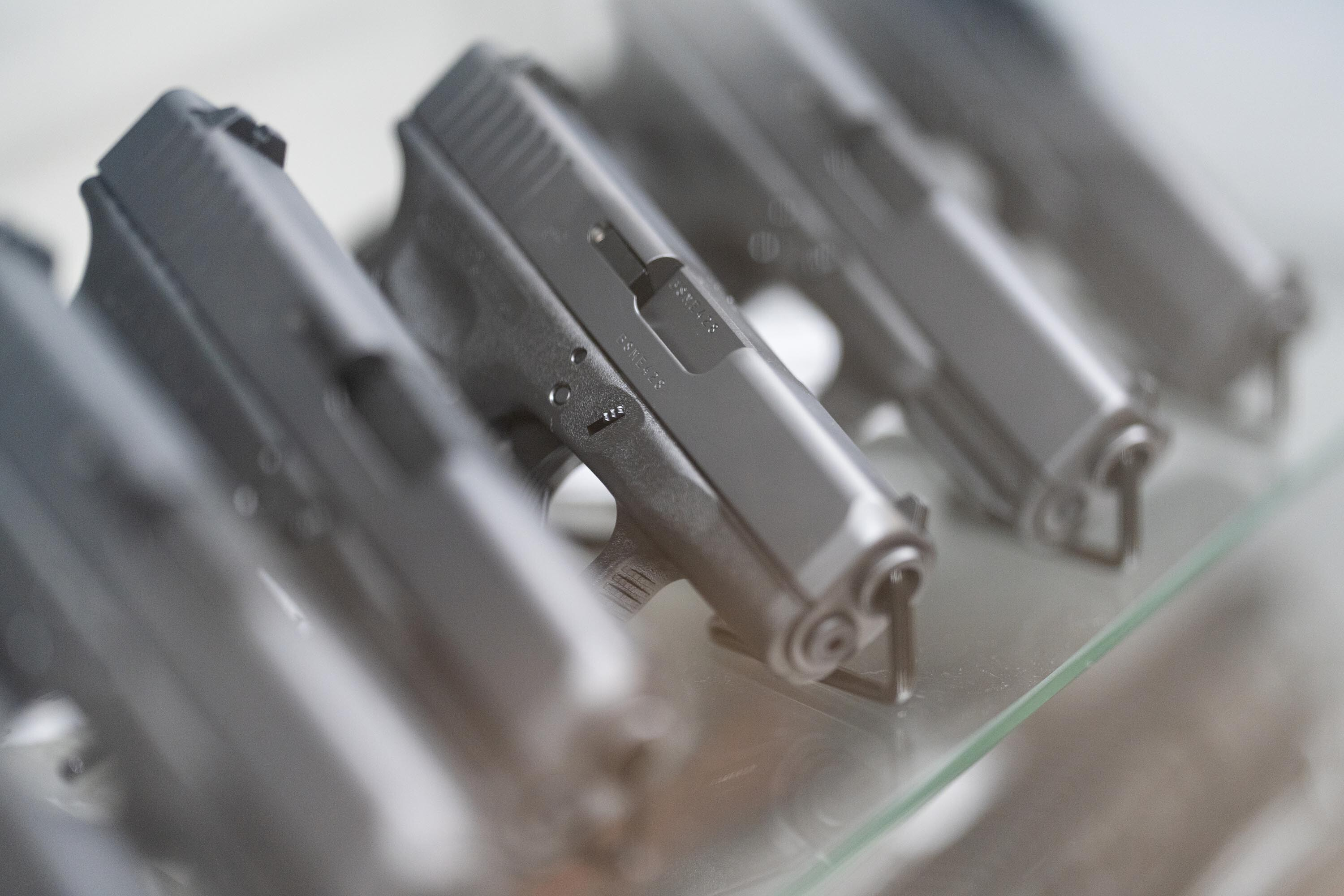 Handgun sale ban to under 21-year-olds is unconstitutional, appeals court says