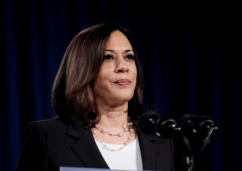 Harris addresses vaccine hesitancy in DC pharmacy visit