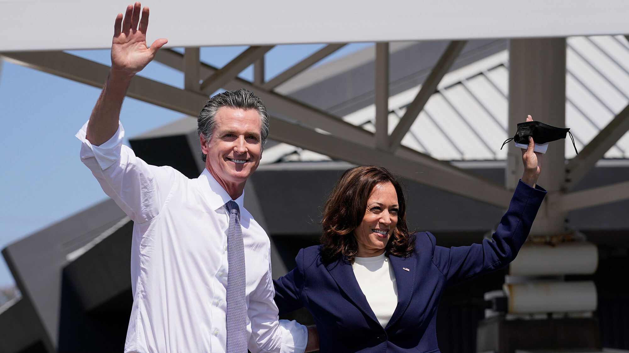 Harris rallies with Newsom to send a message to female voters in final days of California recall campaign