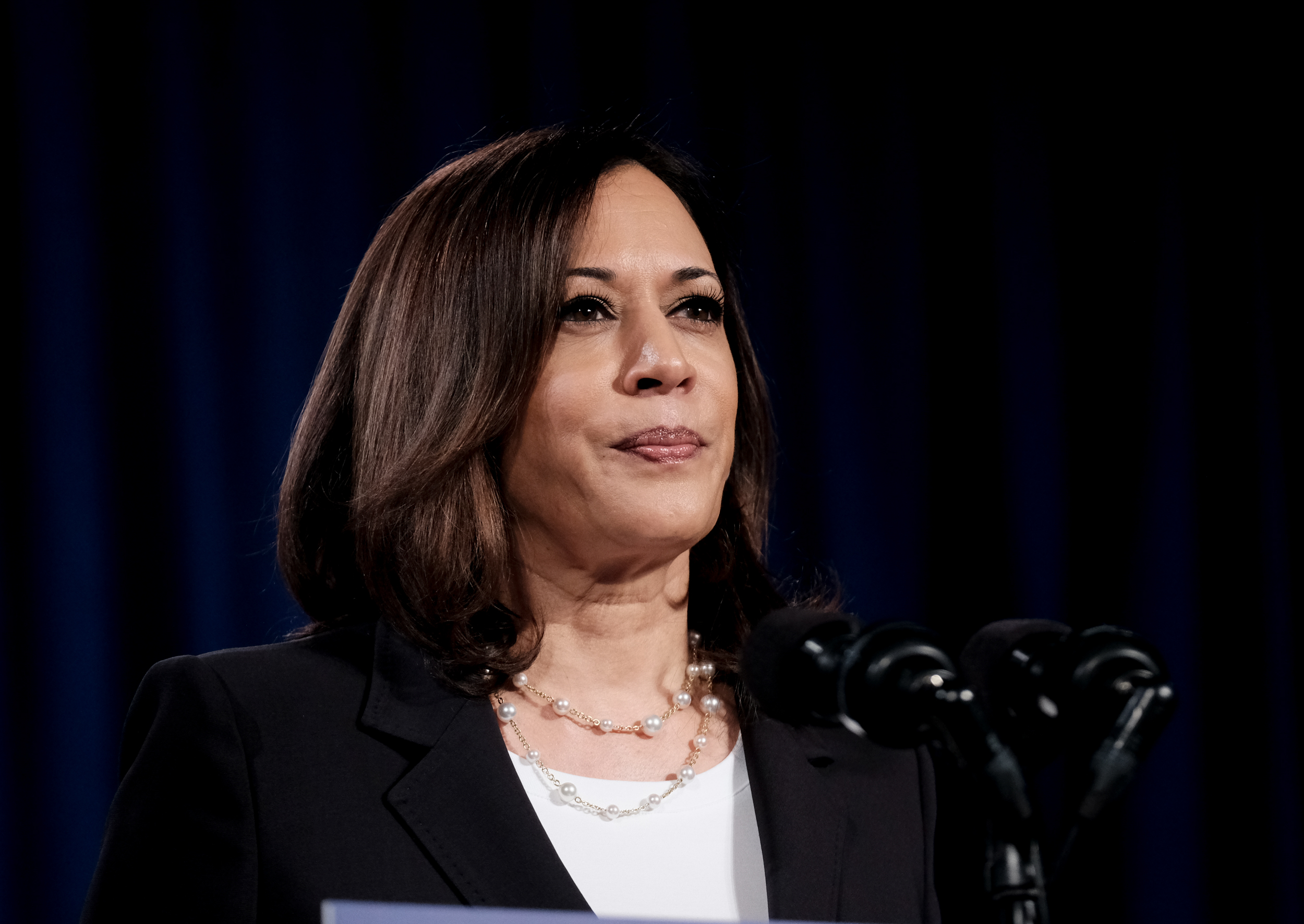 Harris resigns from the Senate ahead of inauguration