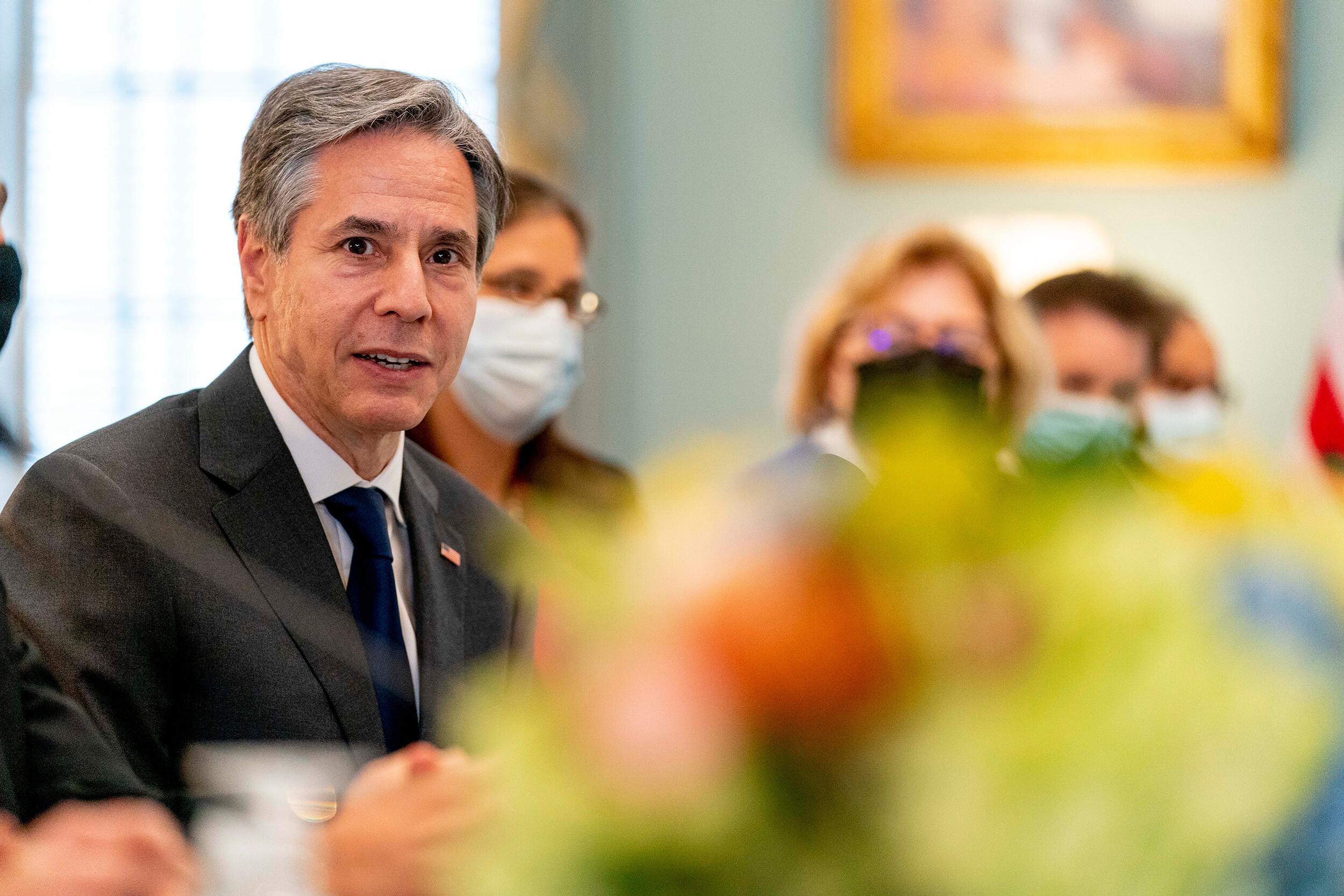 Blinken met with diplomats impacted by Havana syndrome in Bogotá