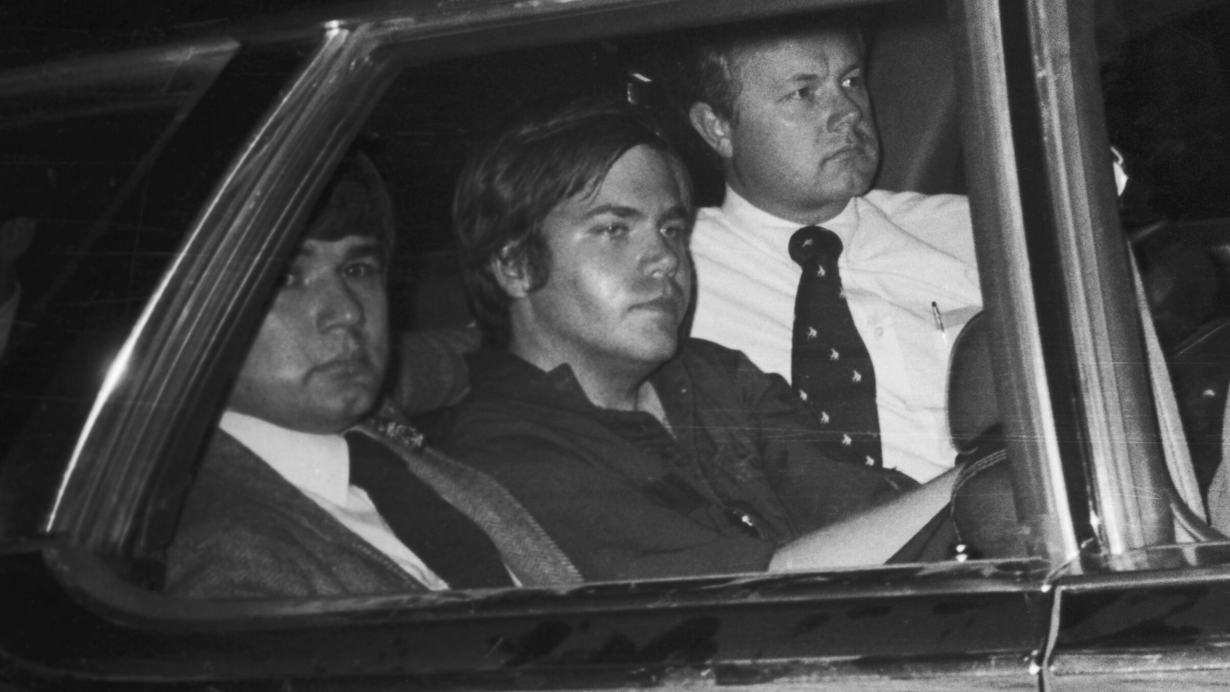 Justice Department agrees to drop release restrictions for Reagan shooter John Hinckley Jr.