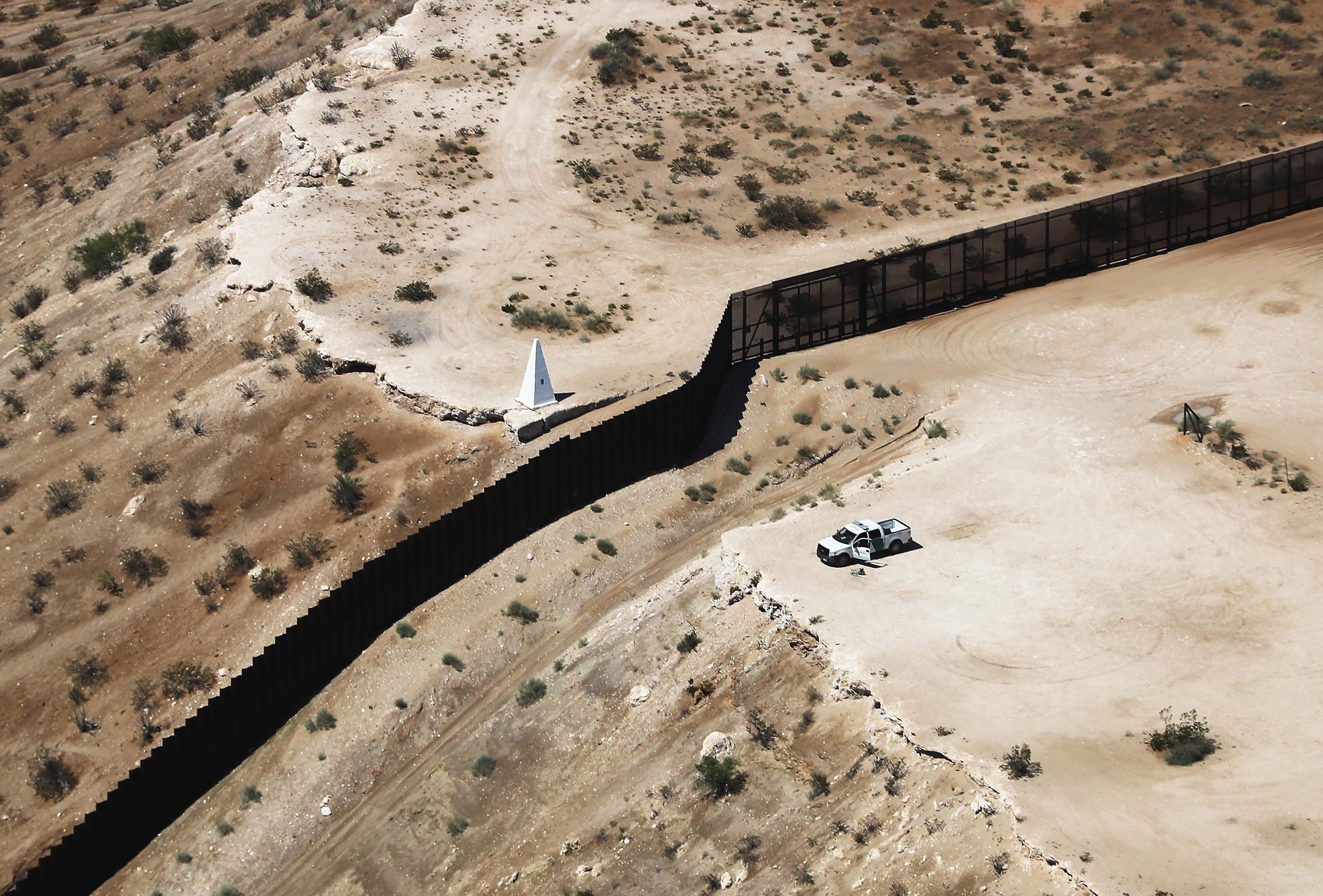 ICE ramps up DNA testing for migrant families along the southern border