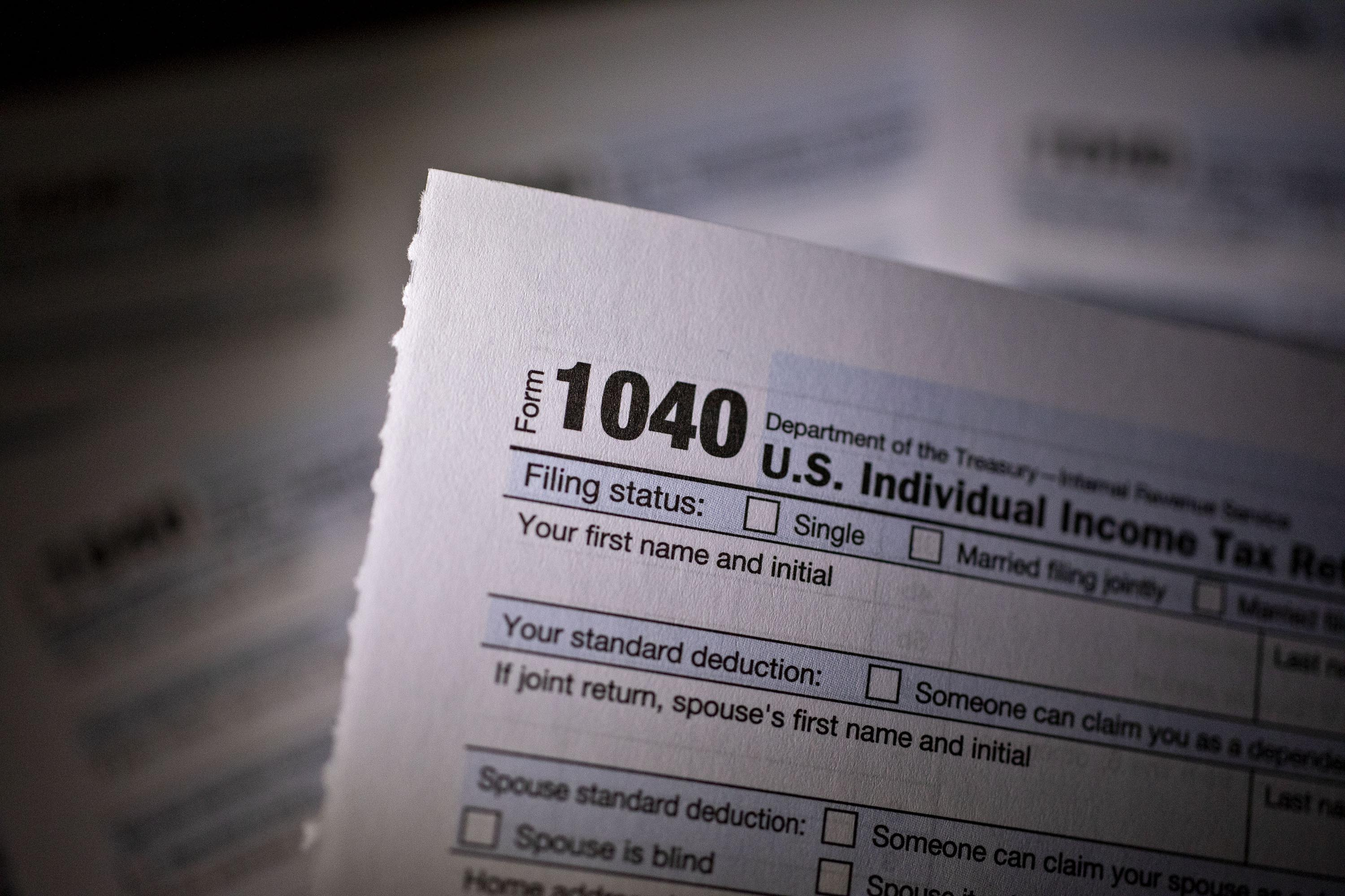 Huge backlogs and broken printers plague IRS, taxpayer advocate reports
