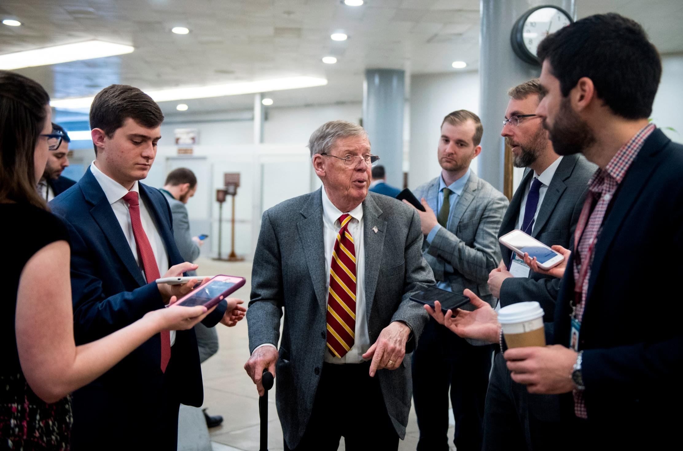Sen. Johnny Isakson fractures ribs in fall