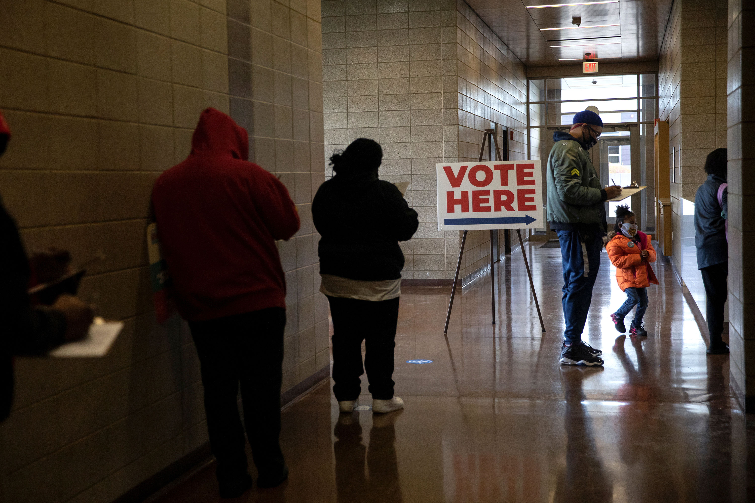 Michigan judge strikes down ban on open carry of guns at polling places on Election Day