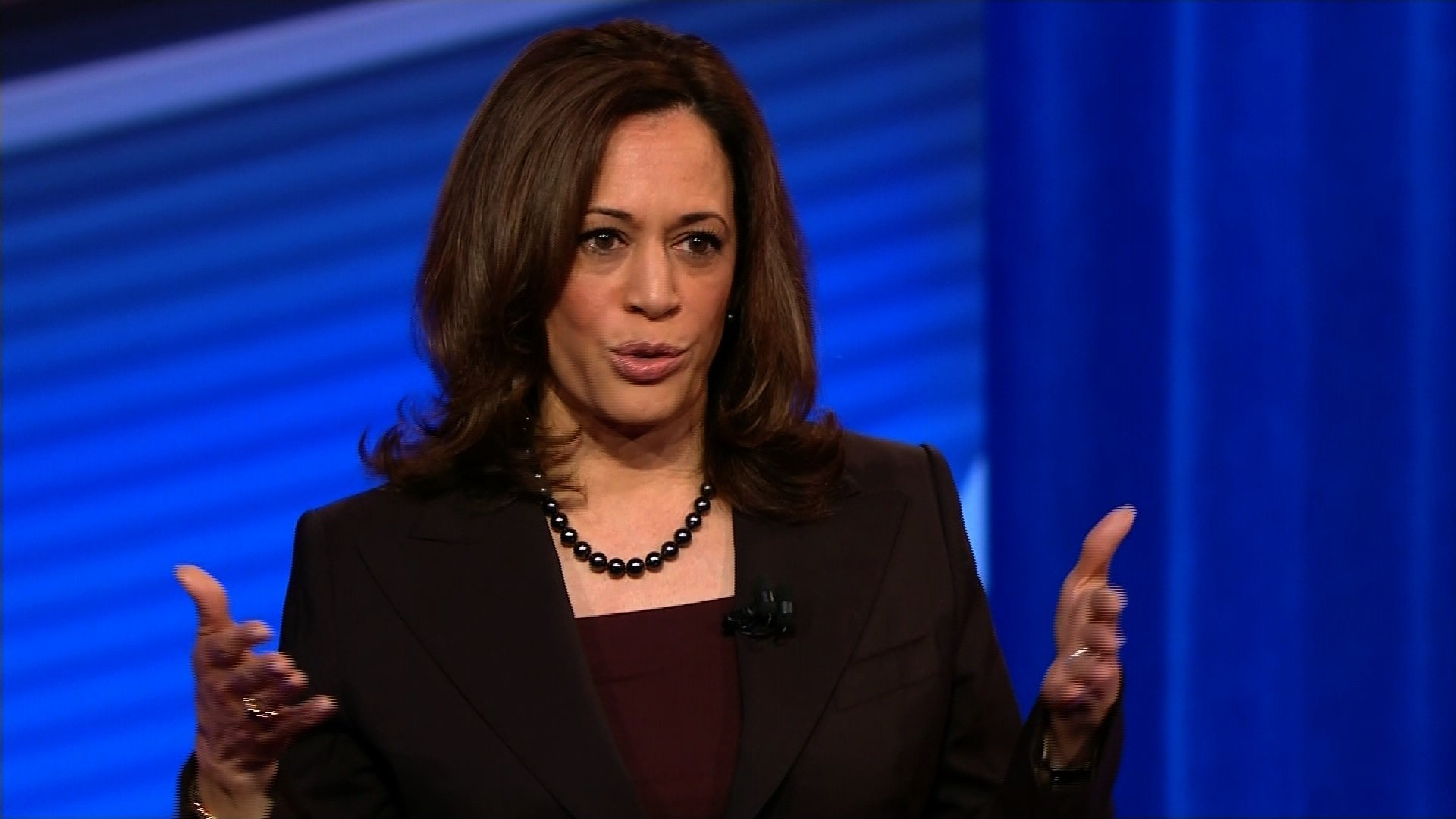 Kamala Harris unveils 'Medicare for All' plan that preserves role for private insurance