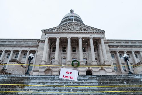 Image for Kentucky Legislature Passes Bipartisan Election Bill Expanding Early and Absentee Voting
