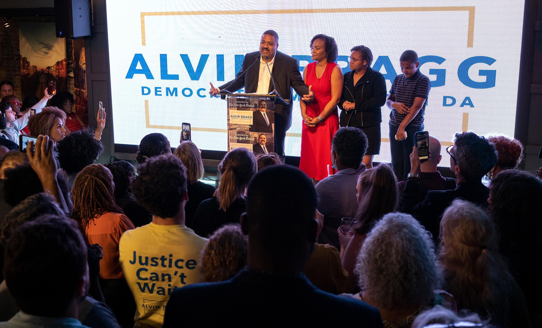 Alvin Bragg poised to win Manhattan DA Democratic primary, setting him up to lead probe into Trump Organization