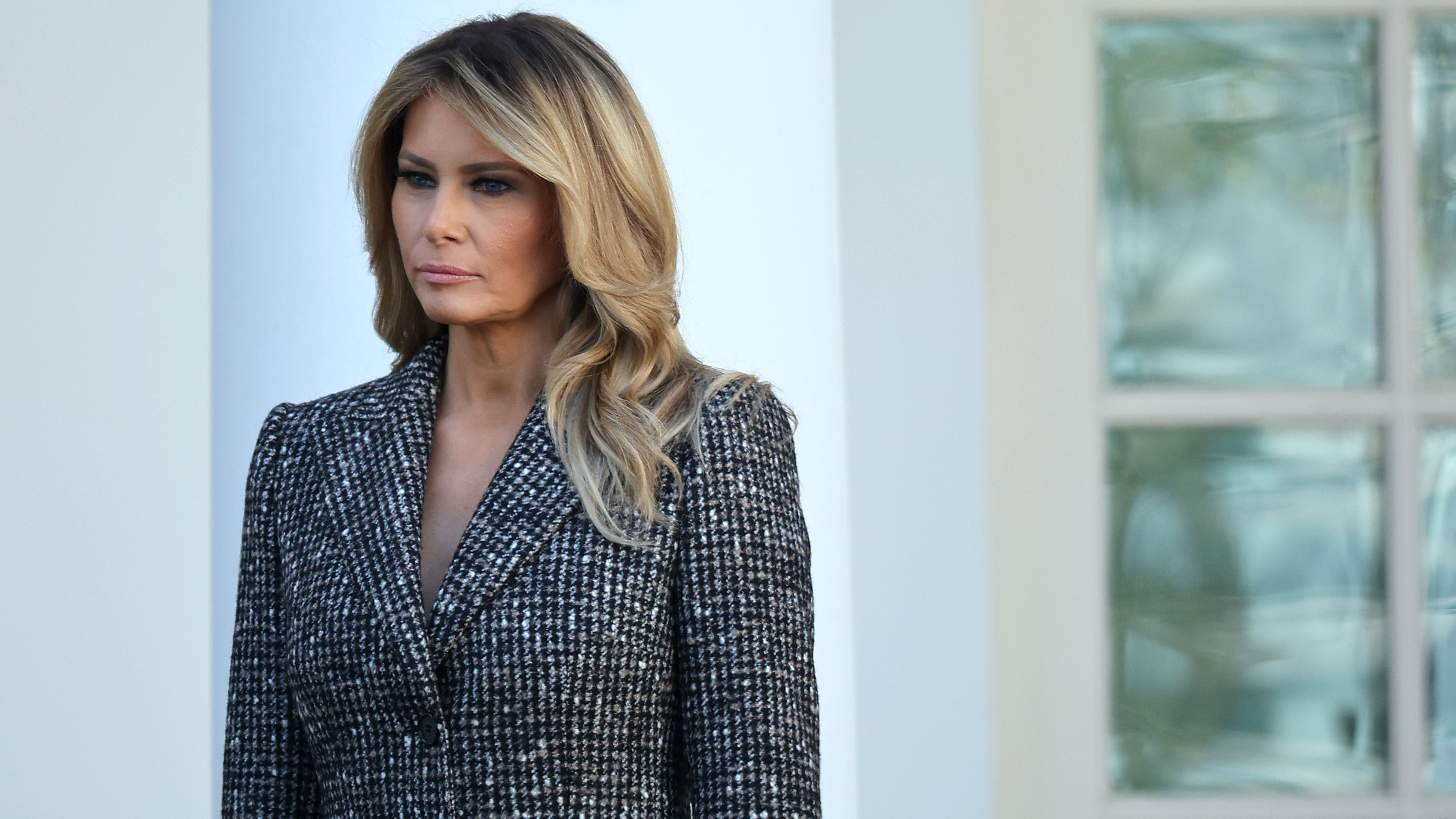 Melania Trump outsourced writing her own 'thank you' notes to the White House residence staff