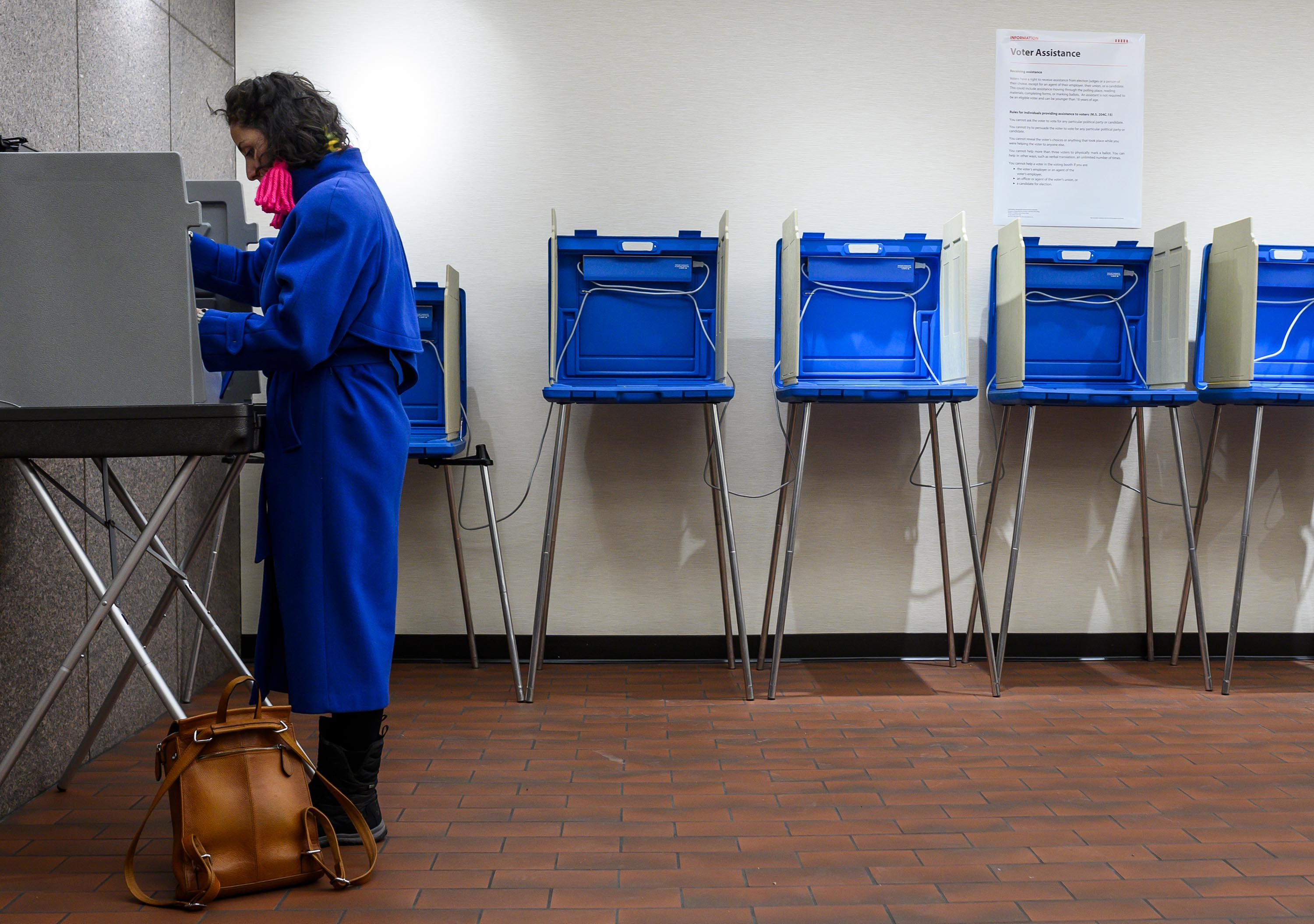Early voting starts in Minnesota's presidential primaries
