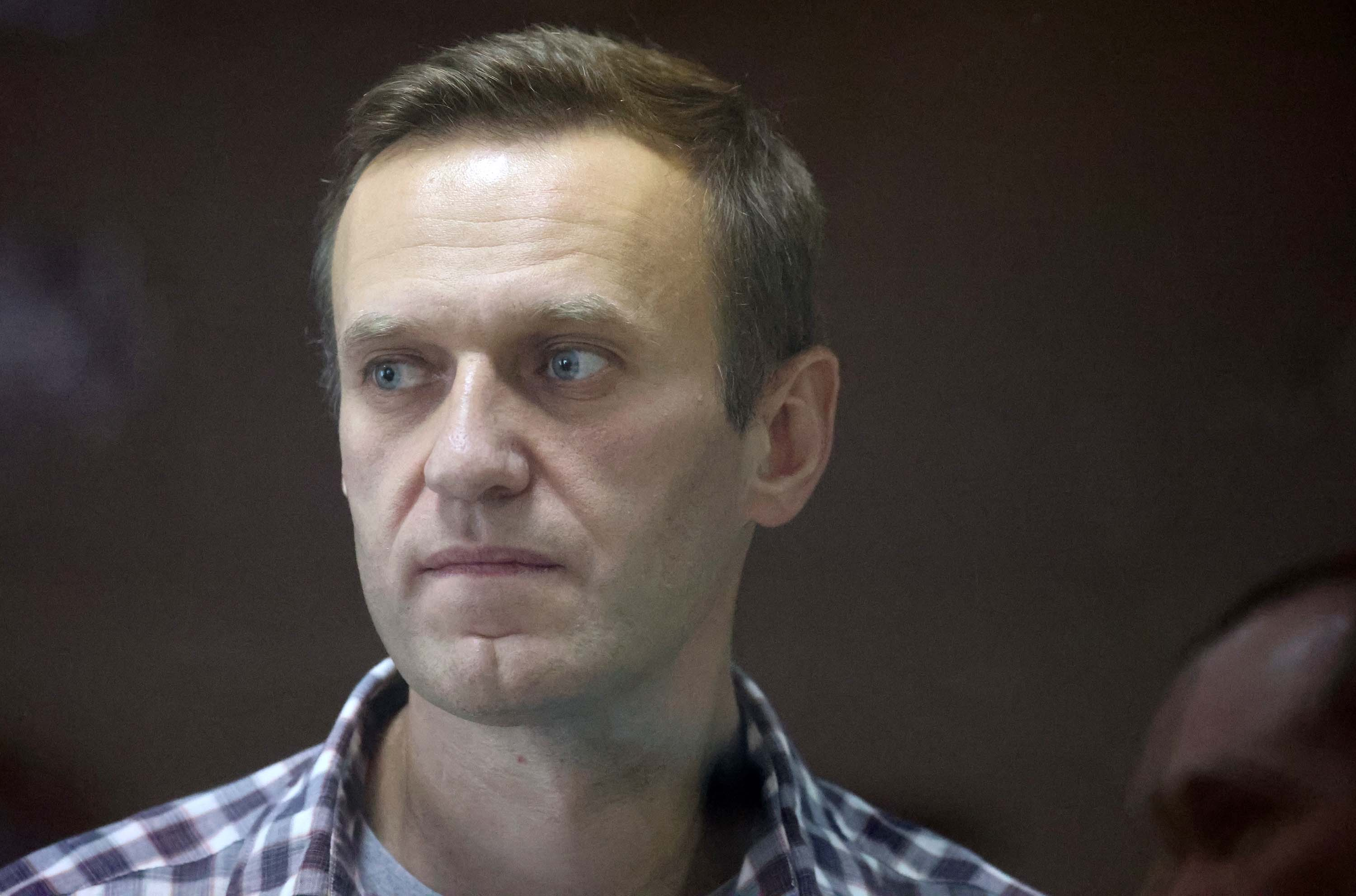 Campaigners call for US to do more to hold Putin accountable as Navalny's health deteriorates