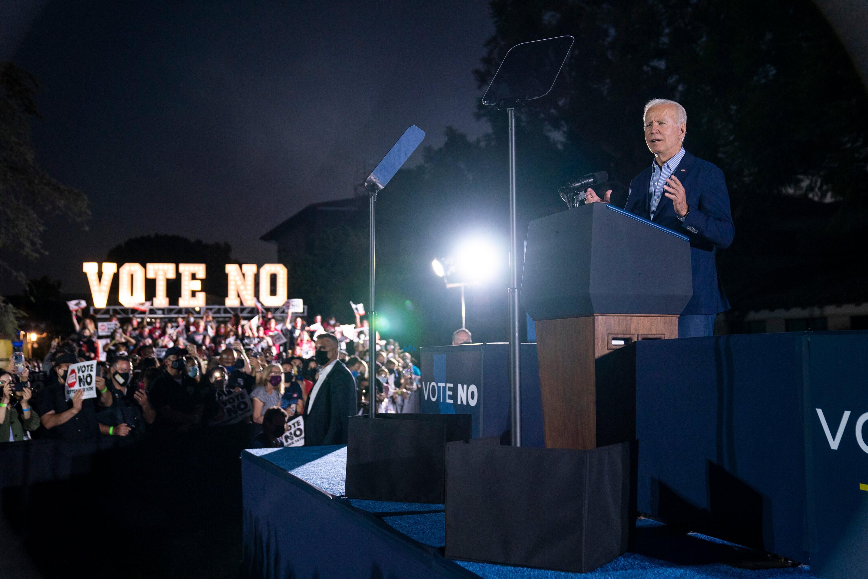 Biden links Elder to Trump on eve of California recall