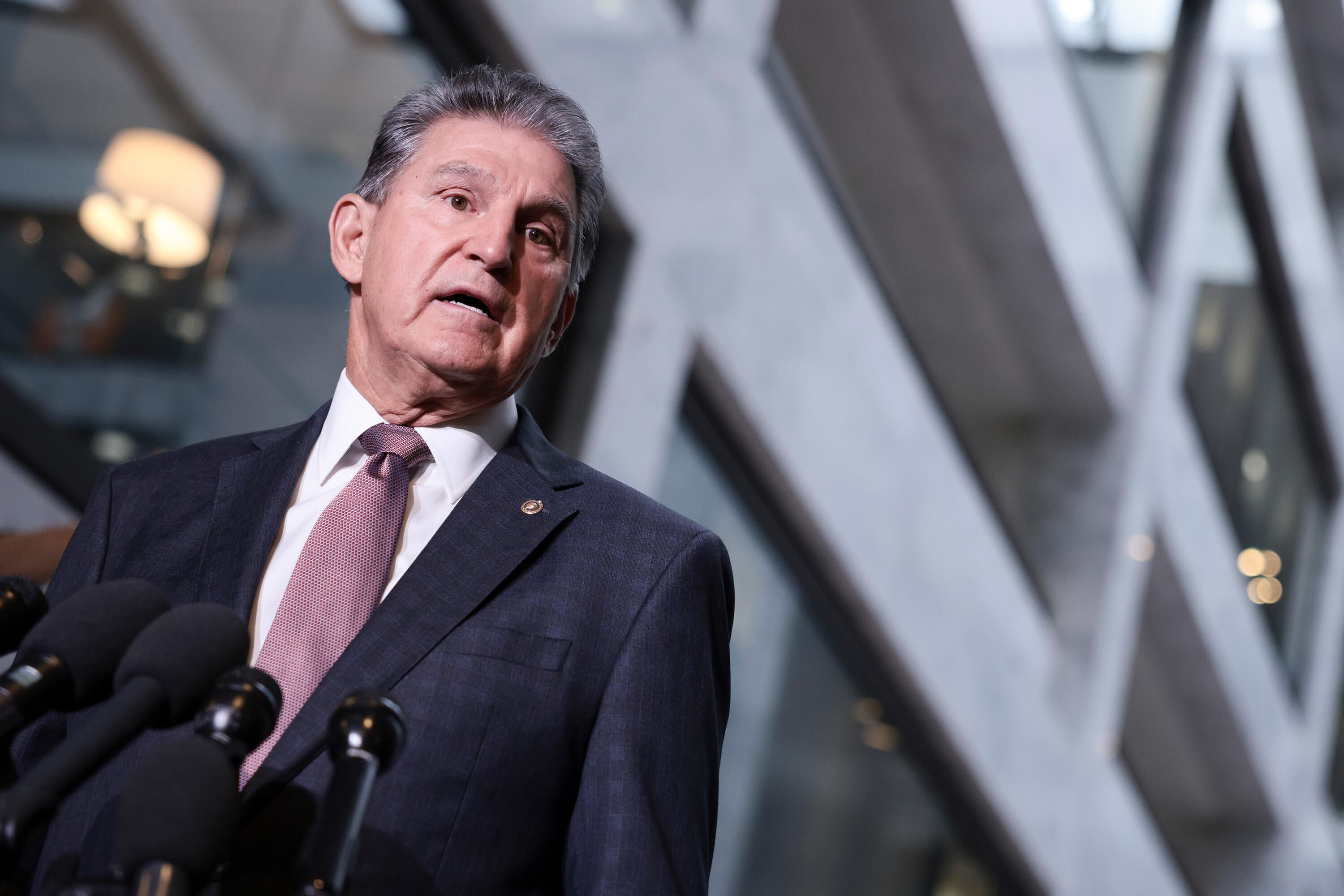 Paid leave falls out of Democratic package in urgent scramble to secure Manchin's support