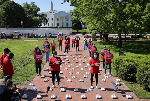 Image for Nurses head to the White House to protest lack of protective equipment