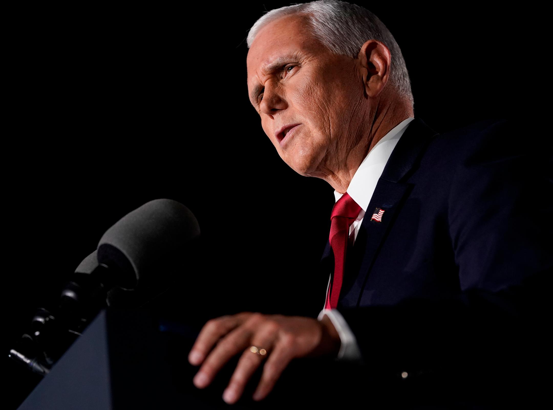 Mike Pence to visit women's health clinic that falsely ties abortion to breast cancer